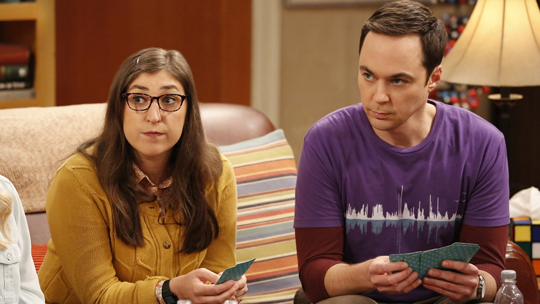 """""""The Relaxation Integration"""" -- Pictured: Amy Farrah Fowler (Mayim Bialik) and Sheldon Cooper (Jim Parsons). As Sheldon stresses about picking a wedding date, Amy tries to convince him he has a more laid-back side. Also, Koothrappali and Stuart compete to win the heart of Bernadette's new coworker, Ruchi (Swati Kapila), on Monday, Oct. 9 (8:00-8:31 PM, ET/PT), on the CBS Television Network.  Photo: Robert Voets/Warner Bros. Entertainment Inc. © 2017 WBEI. All rights reserved."""