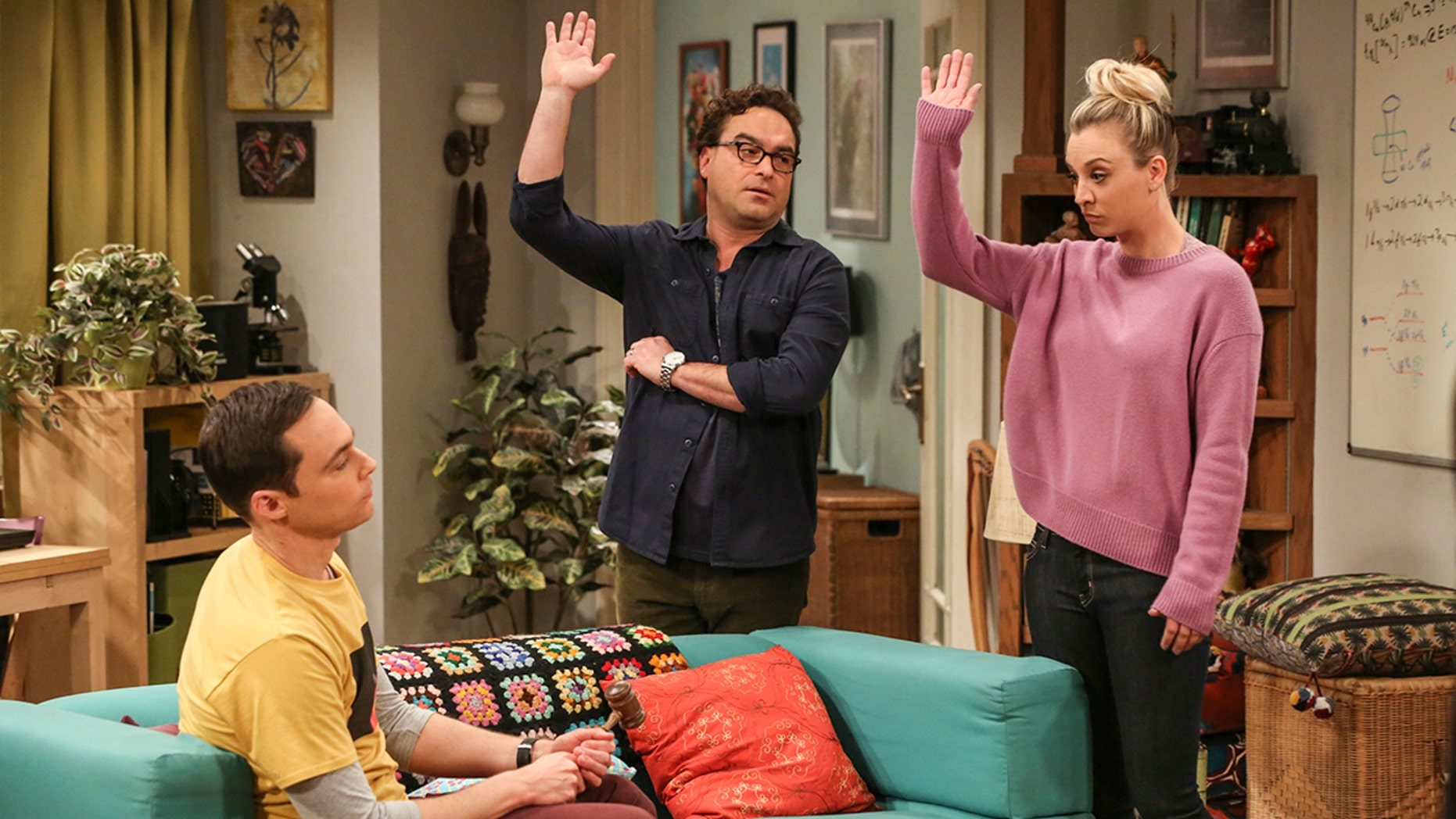 """The Tenant Disassociation"" - Pictured: Sheldon Cooper (Jim Parsons), Leonard Hofstadter (Johnny Galecki) and Penny (Kaley Cuoco). When Leonard learns Sheldon is the president of the tenants association, he decides to run against him. Also, Bernadette encourages Wolowitz and Koothrappali to find the owner of a drone after they find it in the backyard, on THE BIG BANG THEORY, Thursday, April 5 (8:00-8:31 PM, ET/PT) on the CBS Television Network. Photo: Michael Yarish/Warner Bros. Entertainment Inc. © 2018 WBEI. All rights reserved."