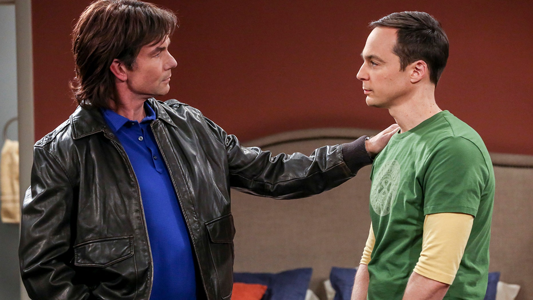 """""""The Sibling Realignment"""" - Pictured: Georgie (Jerry O'Connell) and Sheldon Cooper (Jim Parsons)."""