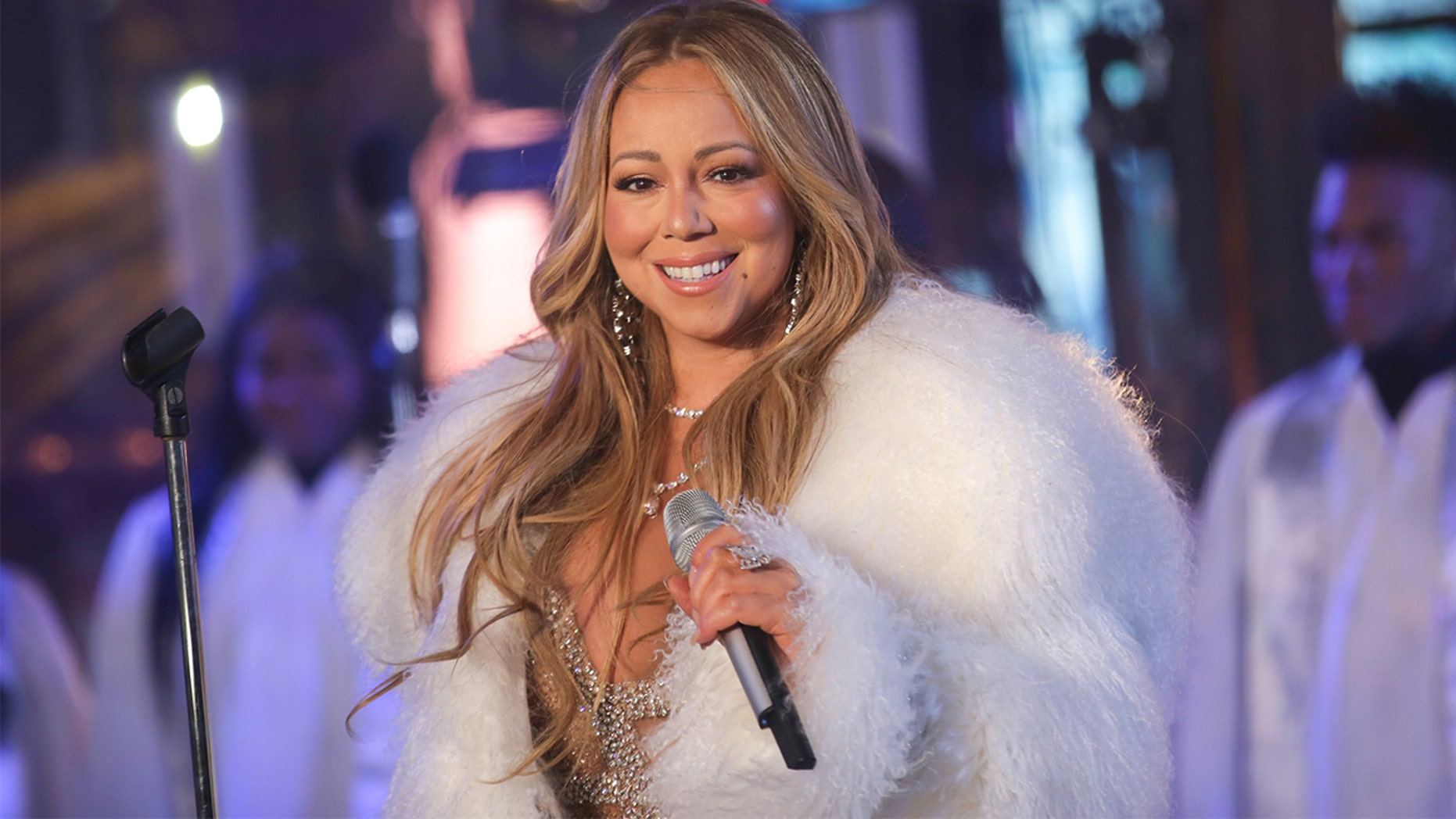 Mariah Carey opens up about living with bipolar disorder for the first time.