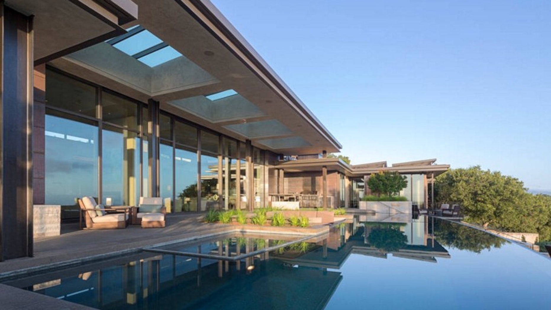Beyoncé stayed in an epic Airbnb in the Los Altos Hill after Super Bowl 50.