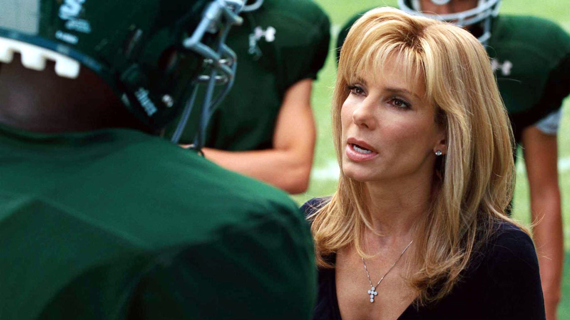 """BSFC-00040 SANDRA BULLOCK as Leigh Anne Tuohy in Alcon Entertainment's drama """"The Blind Side,"""" a Warner Bros. Pictures release."""