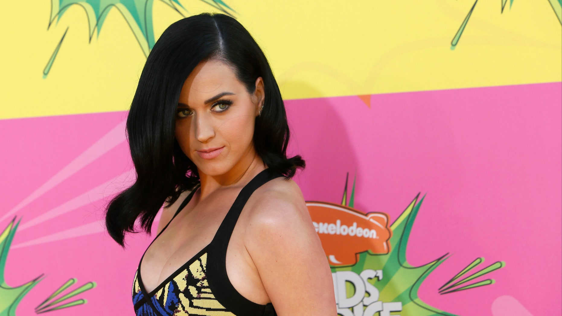 Singer Katy Perry arrives at the 2013 Kids Choice Awards in Los Angeles, California March 23, 2013. REUTERS/Patrick T. Fallon   (UNITED STATES - Tags: ENTERTAINMENT) - RTXXV2L