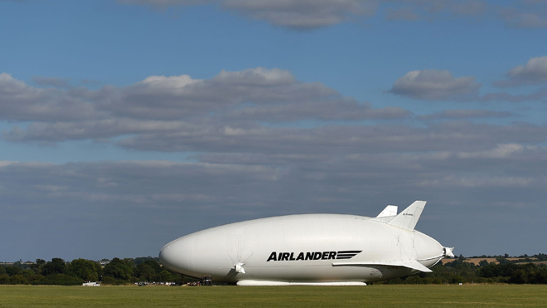 he Airlander 10, part plane, part airship, goes through pre-flight checks at Cardington airfield in Bedfordshire, England, Sunday Aug. 14, 2016.