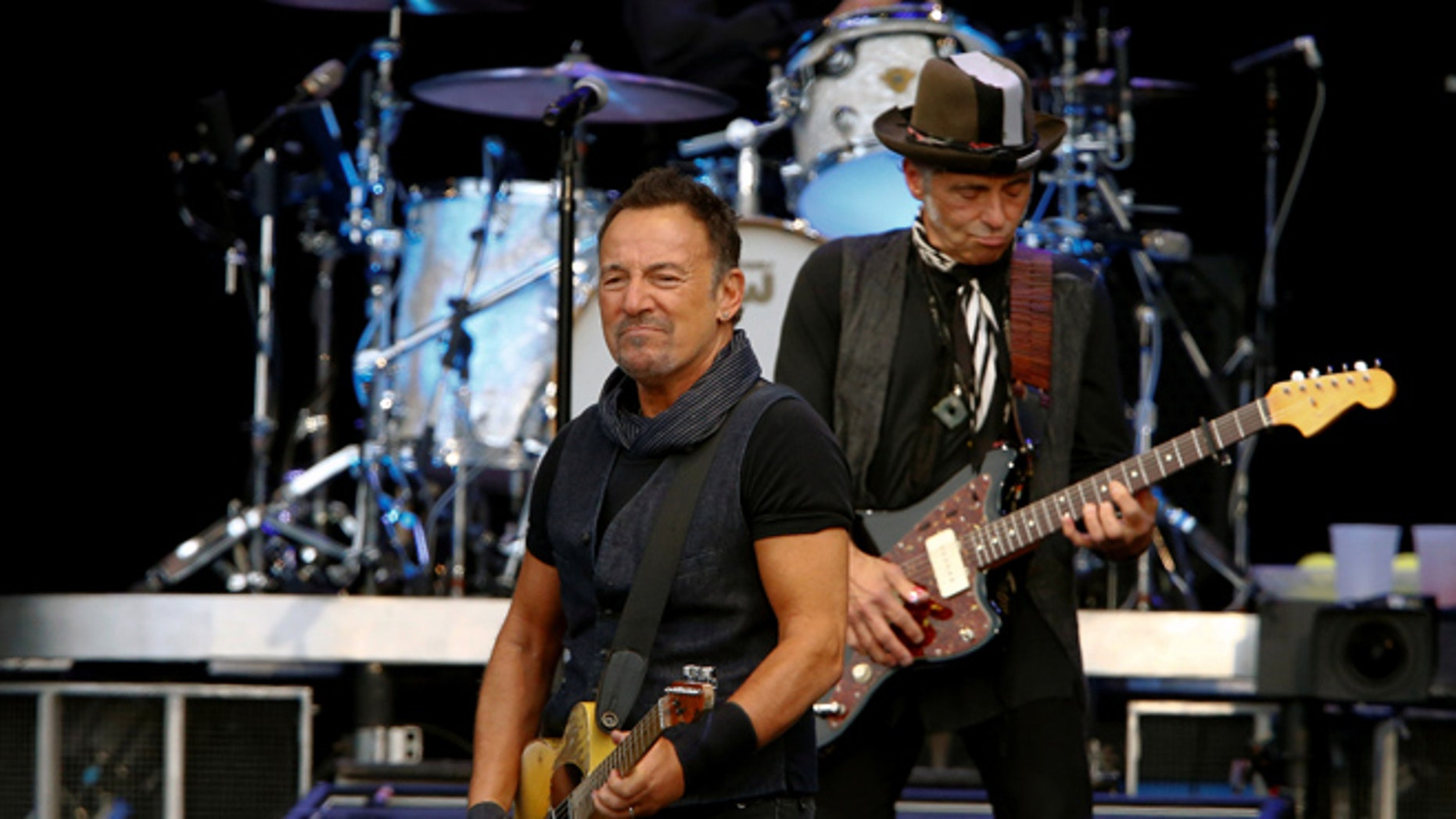 Bruce Springsteen signed an absence note for a fifth grader