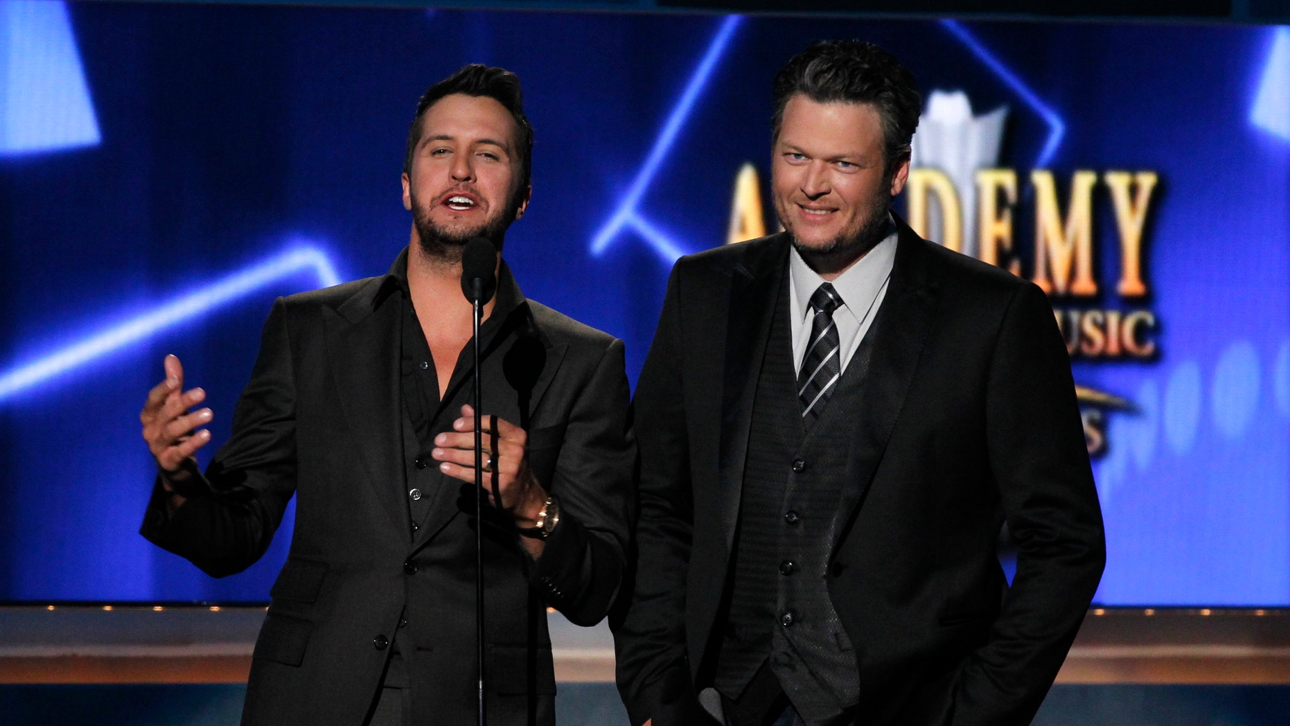 """Luke Bryan, left, joked that he didn't want to talk to Blake Shelton, right, anymore.<br data-cke-eol=""""1"""">"""