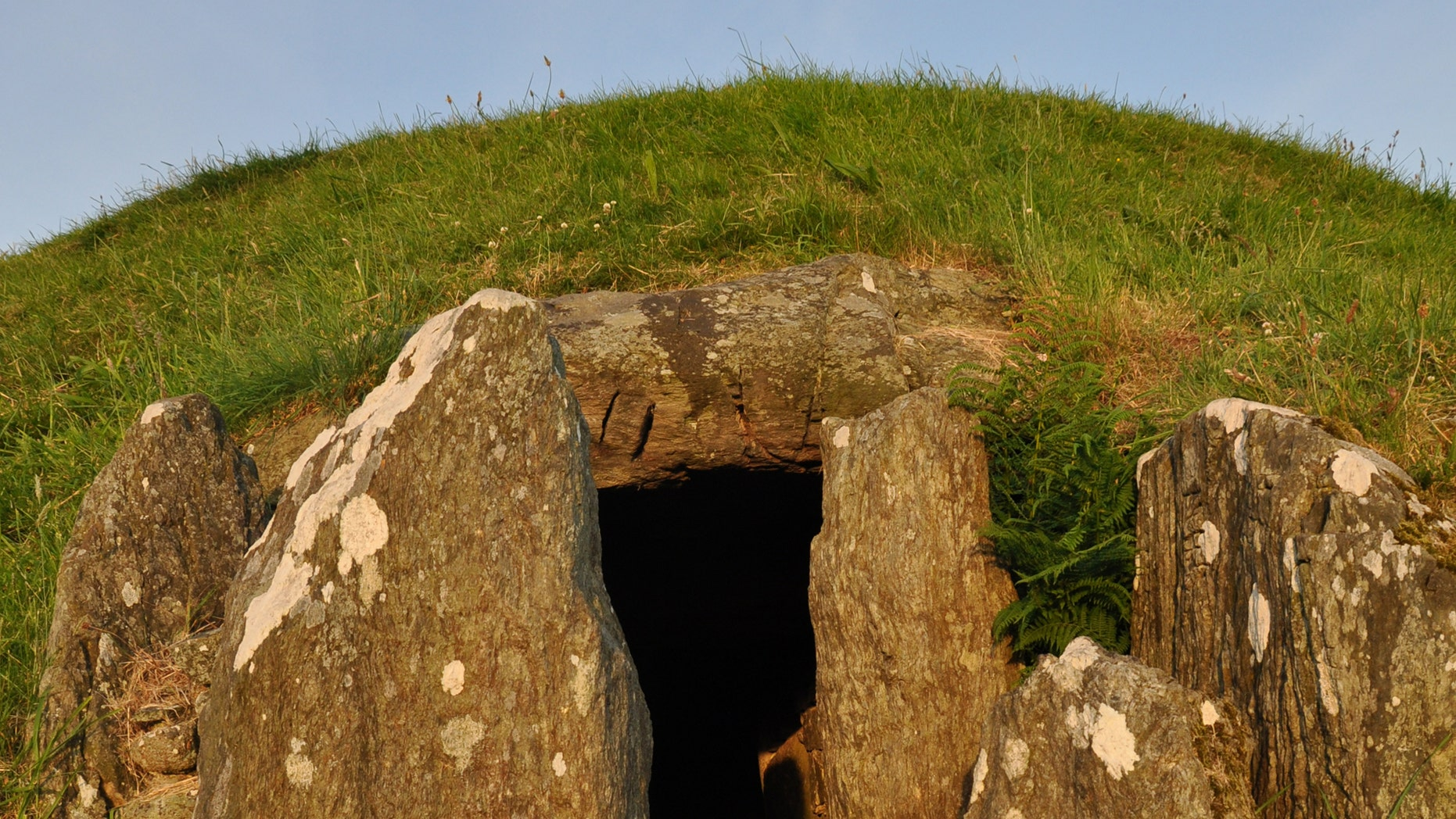 The passage tomb at Bryn Celli Ddu (Adam Stanford)