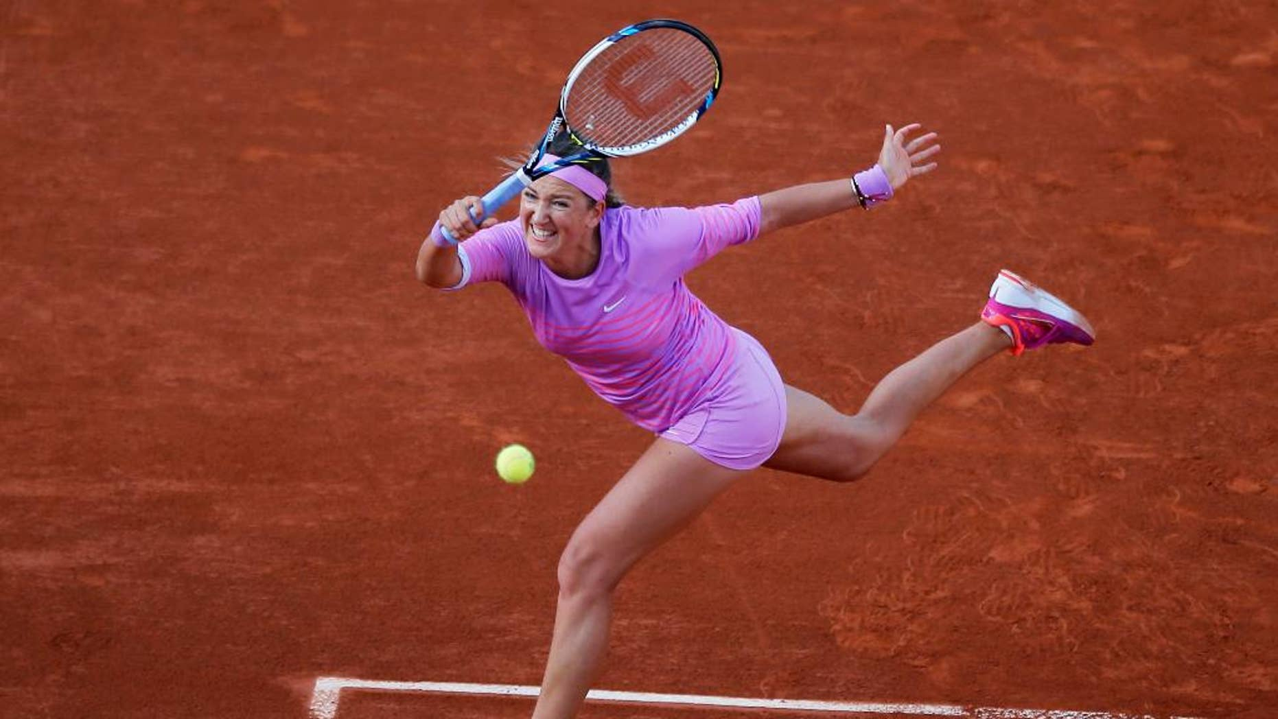 tennis star azarenka pregnant  plans to resume career