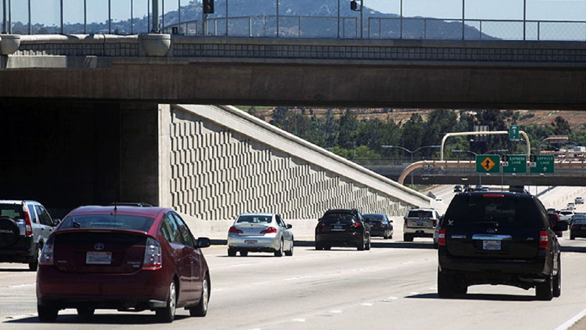 More than 200,000 vehicles low- and zero-emission vehicles are set to lose their decals that allow drivers to use the car-pool lane without a passenger.