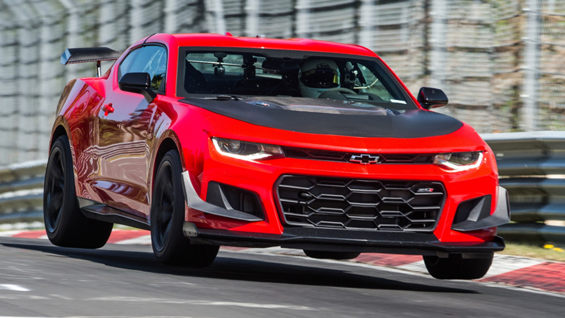2018 Chevrolet Camaro Zl1 1le Is Faster Than Corvette Ferrari At The Nurburgring