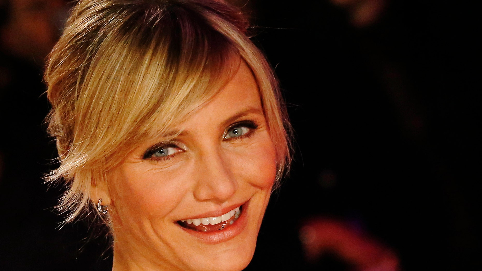 """November 7, 2012. Cameron Diaz arrives for the world premiere of the film """"Gambit"""" at Leicester Square in London."""