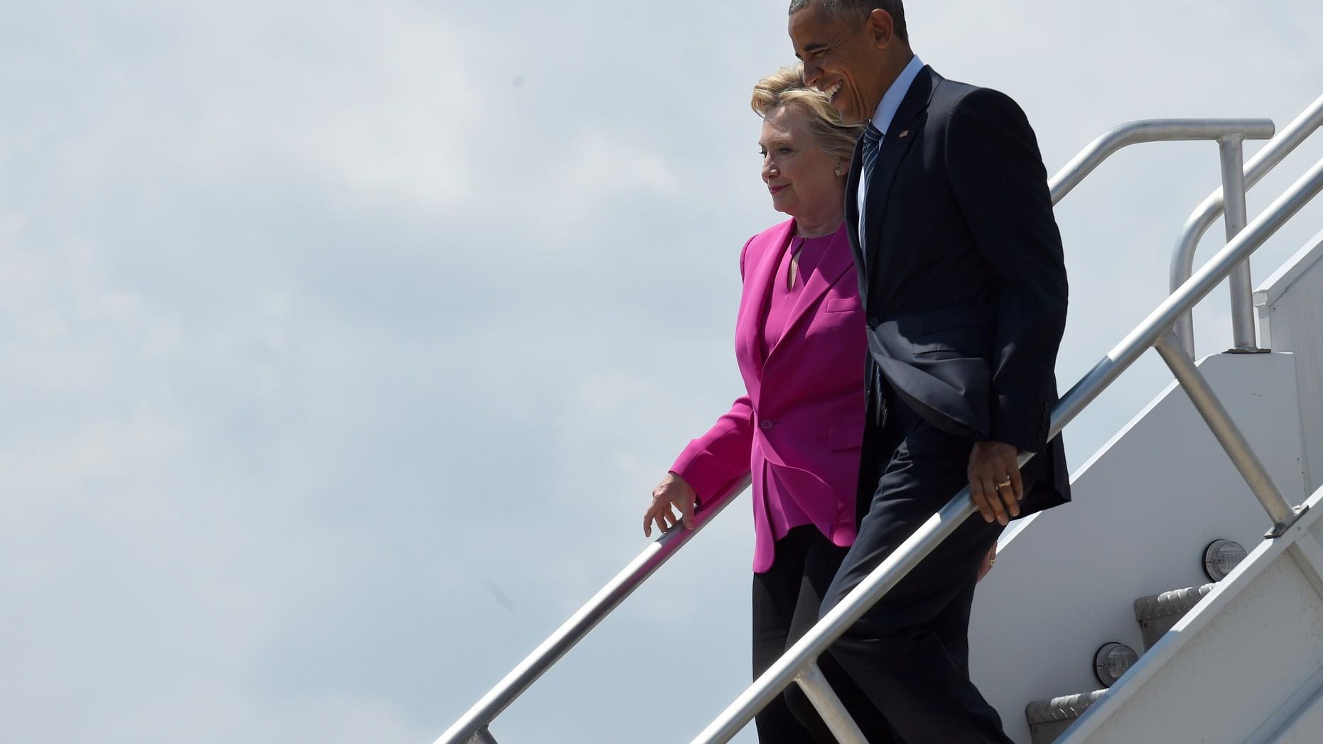 Obama reportedly used pseudonym to email with Clinton on her