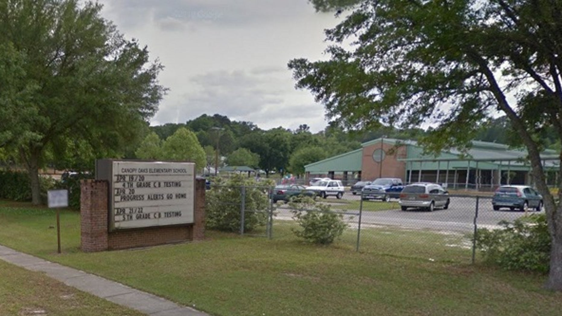 A fifth-grade teacher at Canopy Oaks Elementary in Tallahassee, Fla., asked students to use geneder-neutral pronouns in the classroom.