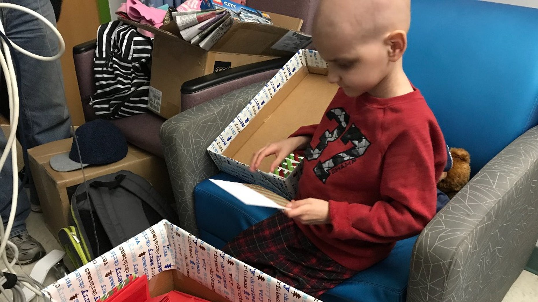 14,000 strangers responded to Jacob Thompson's wish for Christmas cards to celebrate his favorite holiday.