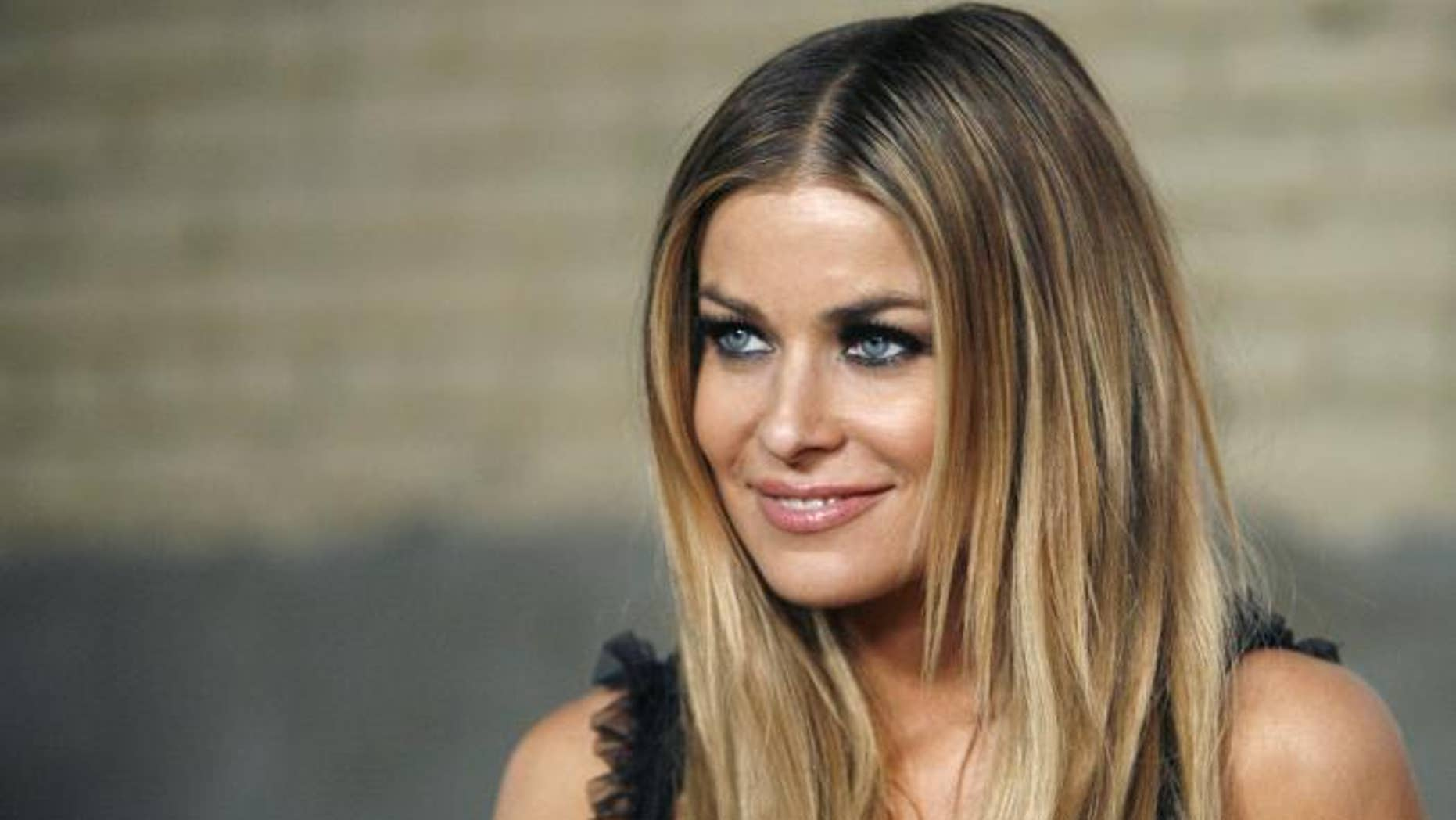 Model Carmen Electra told reporters her biggest turnoff is when men lie to her.