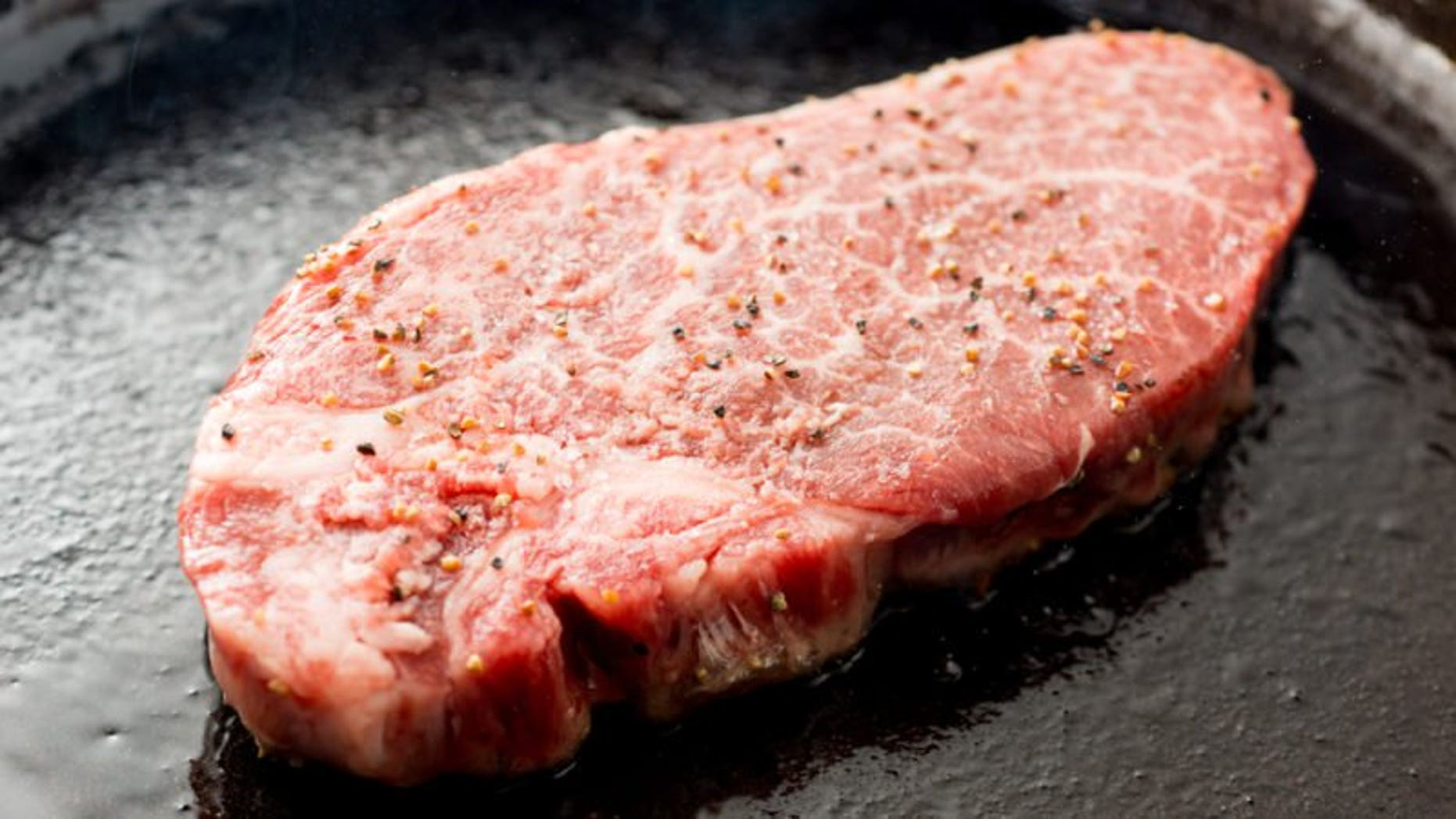 How to cook steak in oven cast iron skillet