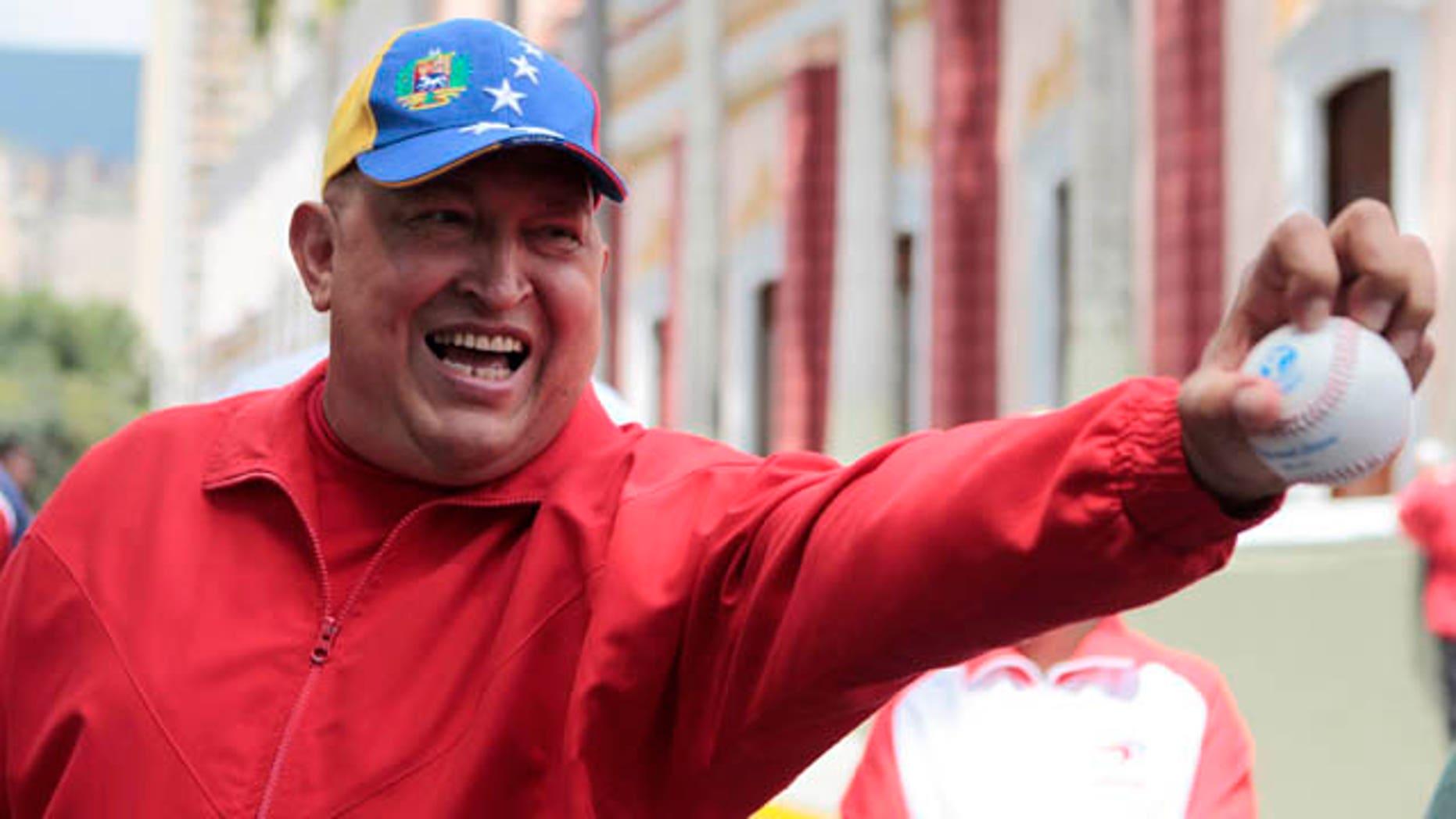 Hugo Chávez  en el Palacio Miraflores hace chistes respecto de los rumores sobre su delicada salud