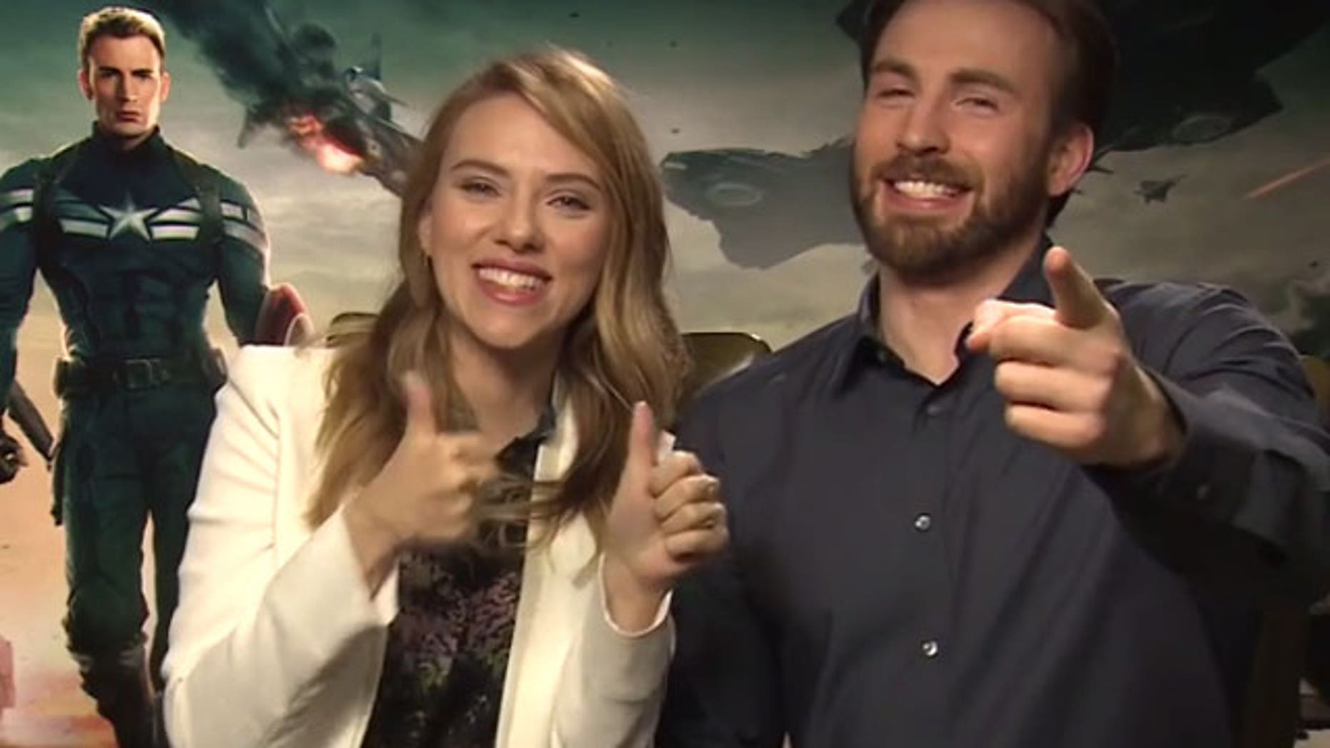 Scarlett Johansson and Chris Evans in viral wedding video.