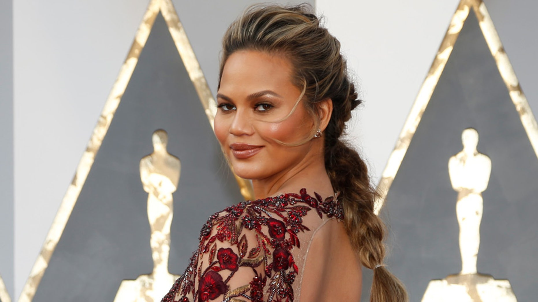 Chrissy Teigen got a nice surprise from Outback Steakhouse earlier this week.