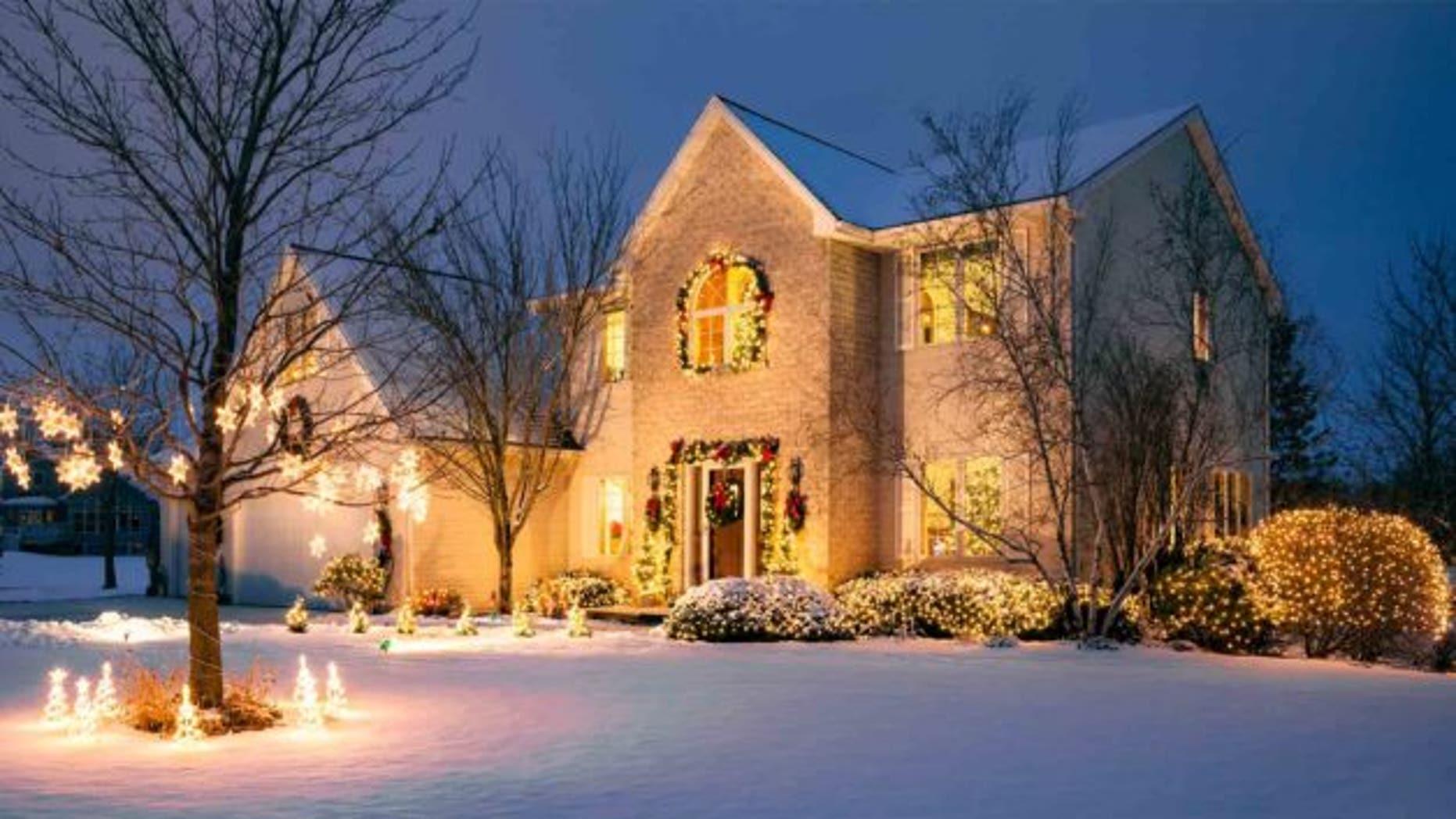 christmas-light-house