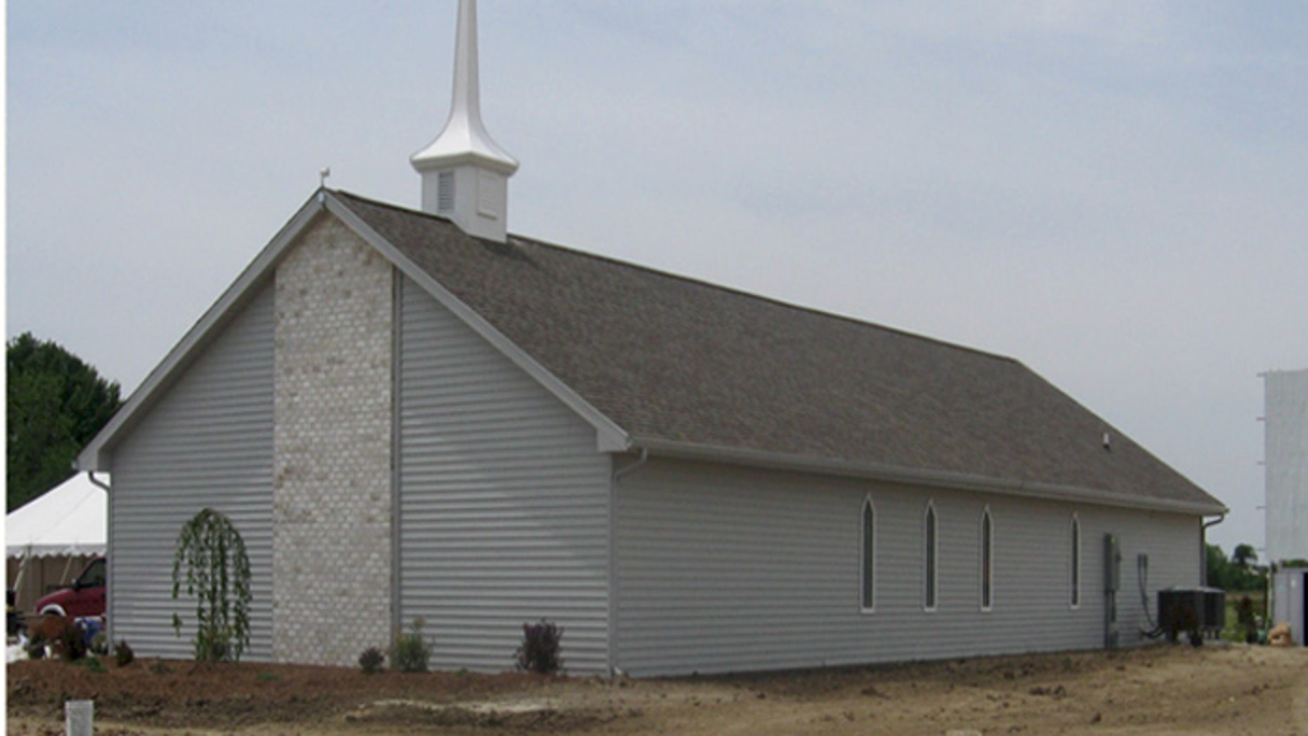 Faithful volunteers build church in one day in Iowa | Fox News