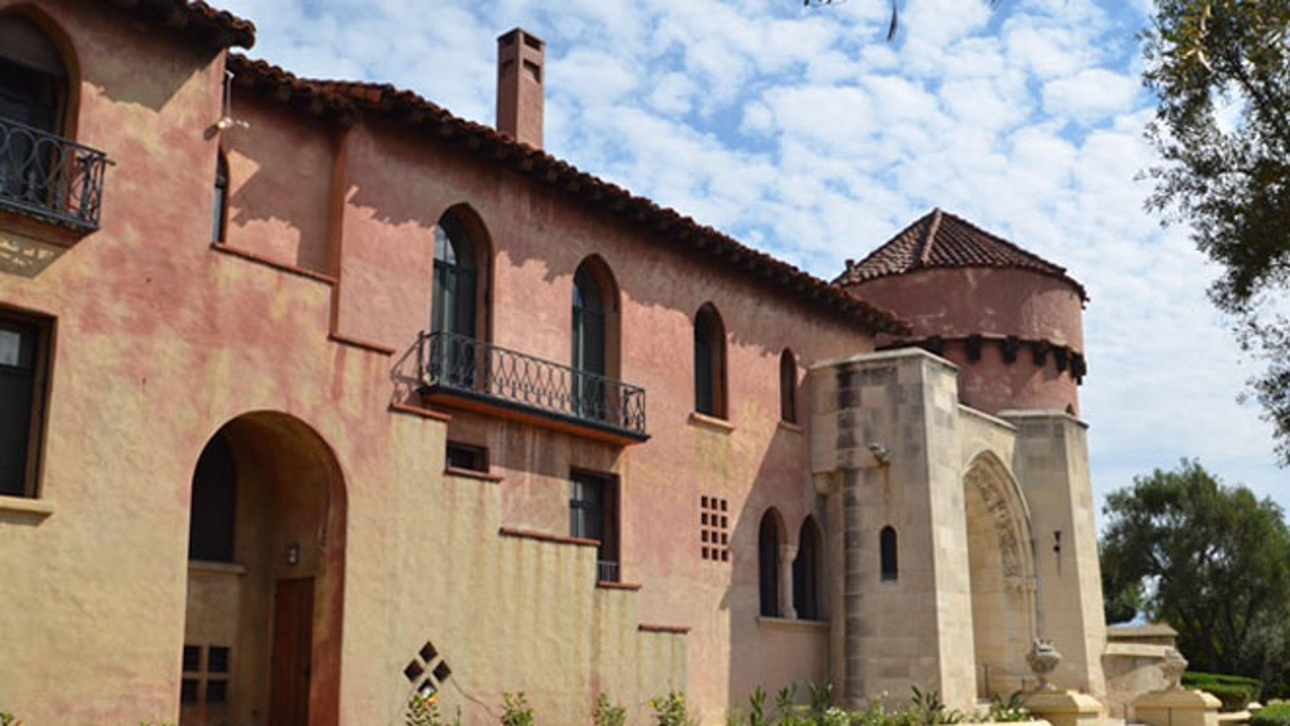The convent, once home to wealthy philanthropist Earle Anthony, has belonged to the order for 40 years. (FoxNews.com)