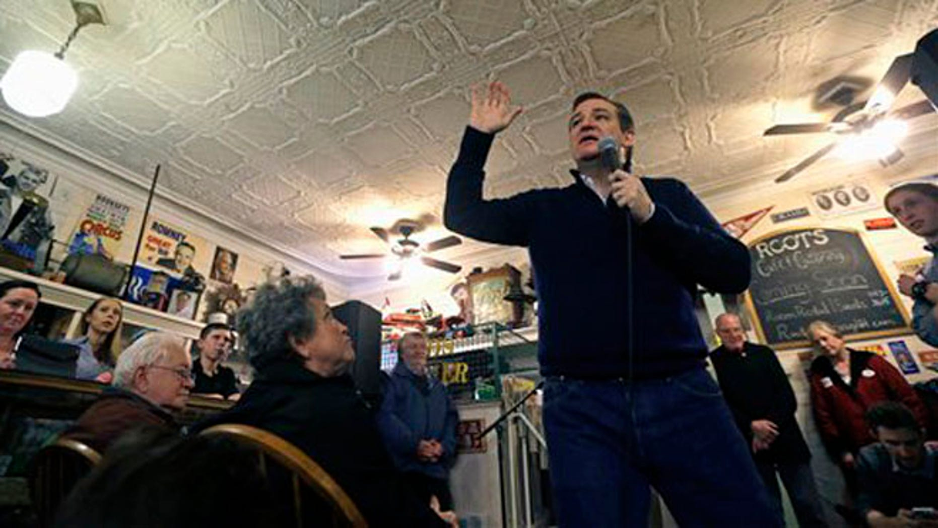 Republican presidential candidate, Sen. Ted Cruz, R-Texas speaks Robie's Country Store during a campaign event, Wednesday, Feb. 3, 2016, in Hooksett, N.H. (AP Photo/Elise Amendola)