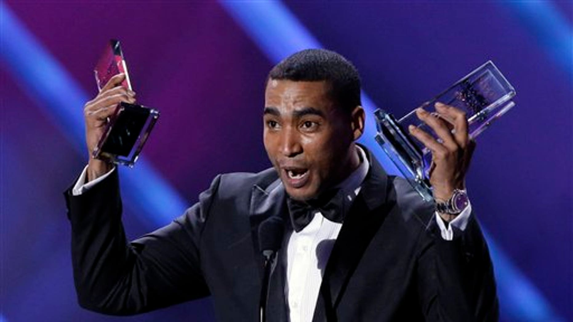 Don Omar receives his tenth award at the Latin Billboard Awards in Coral Gables, Fla, on April 25, 2013.