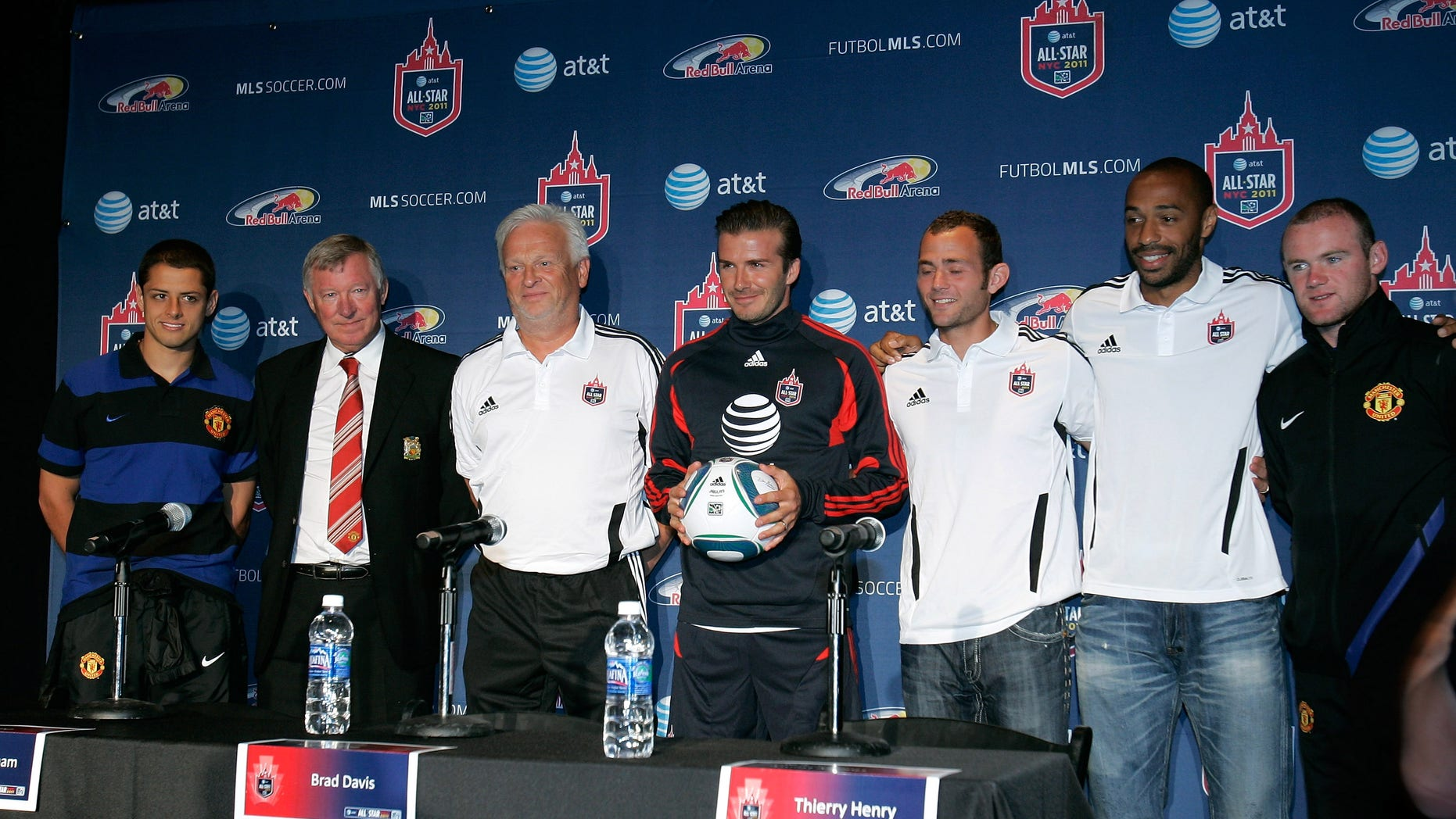 """July 25: Javier """"Chicarito"""" Hernandez of Manchester United, Manchester United Head Coach Sir Alex Ferguson, MLS All-Stars Head Coach Hans Backe, MLS All-Star David Beckham, MLS All-Star Brad Davis, MLS All-Star Thierry Henry and Wayne Rooney of Manchester United."""