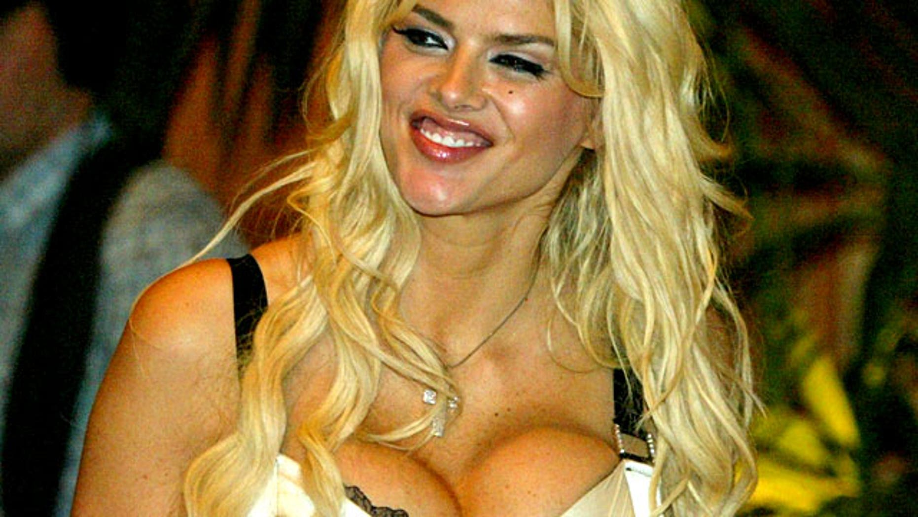 FILE: A photo of Anna Nicole Smith before her death in February of 2007.