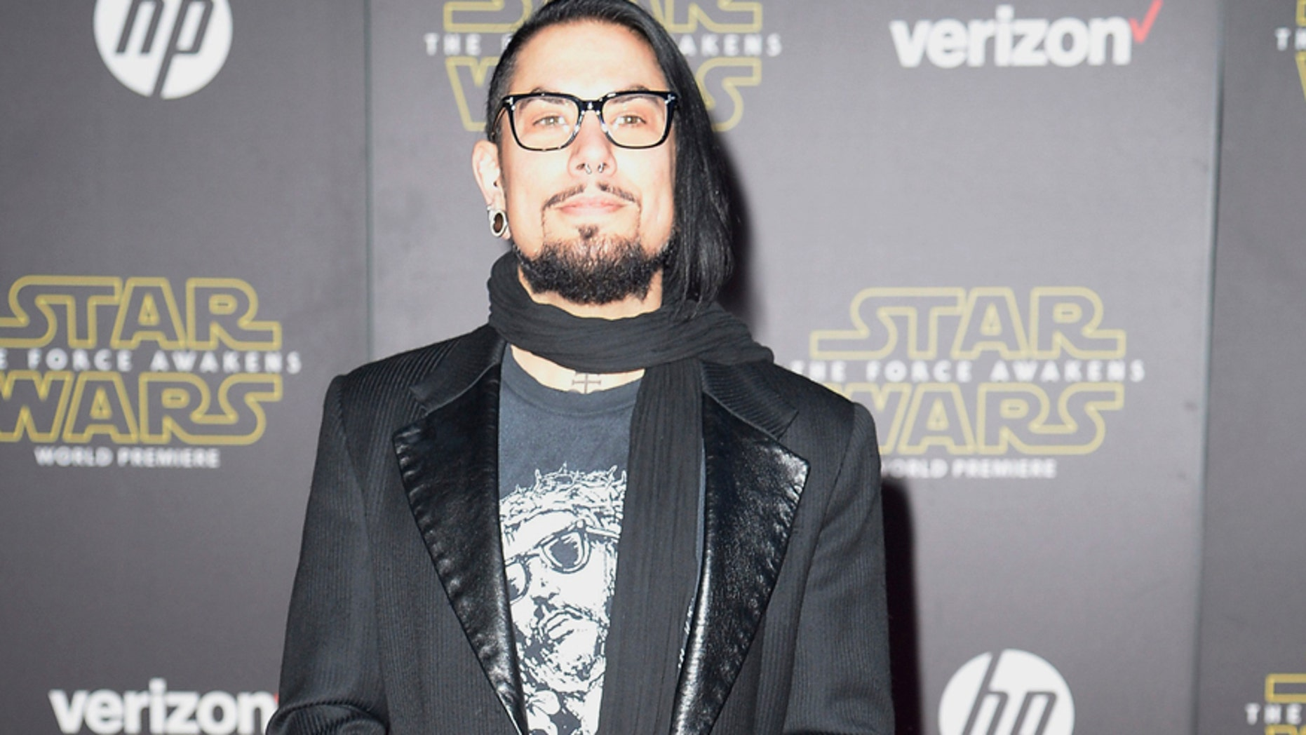 """Musician Dave Navarro arrives at the premiere of """"Star Wars: The Force Awakens"""" in Hollywood, California December 14, 2015. REUTERS/Kevork Djansezian - RTX1YPH5"""