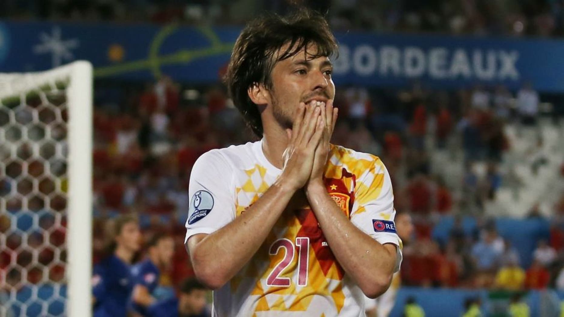 xxx of Croatia is challenged by yyy of Spain during the UEFA EURO 2016 Group D match between Croatia and Spain at Stade Matmut Atlantique on June 21, 2016 in Bordeaux, France.