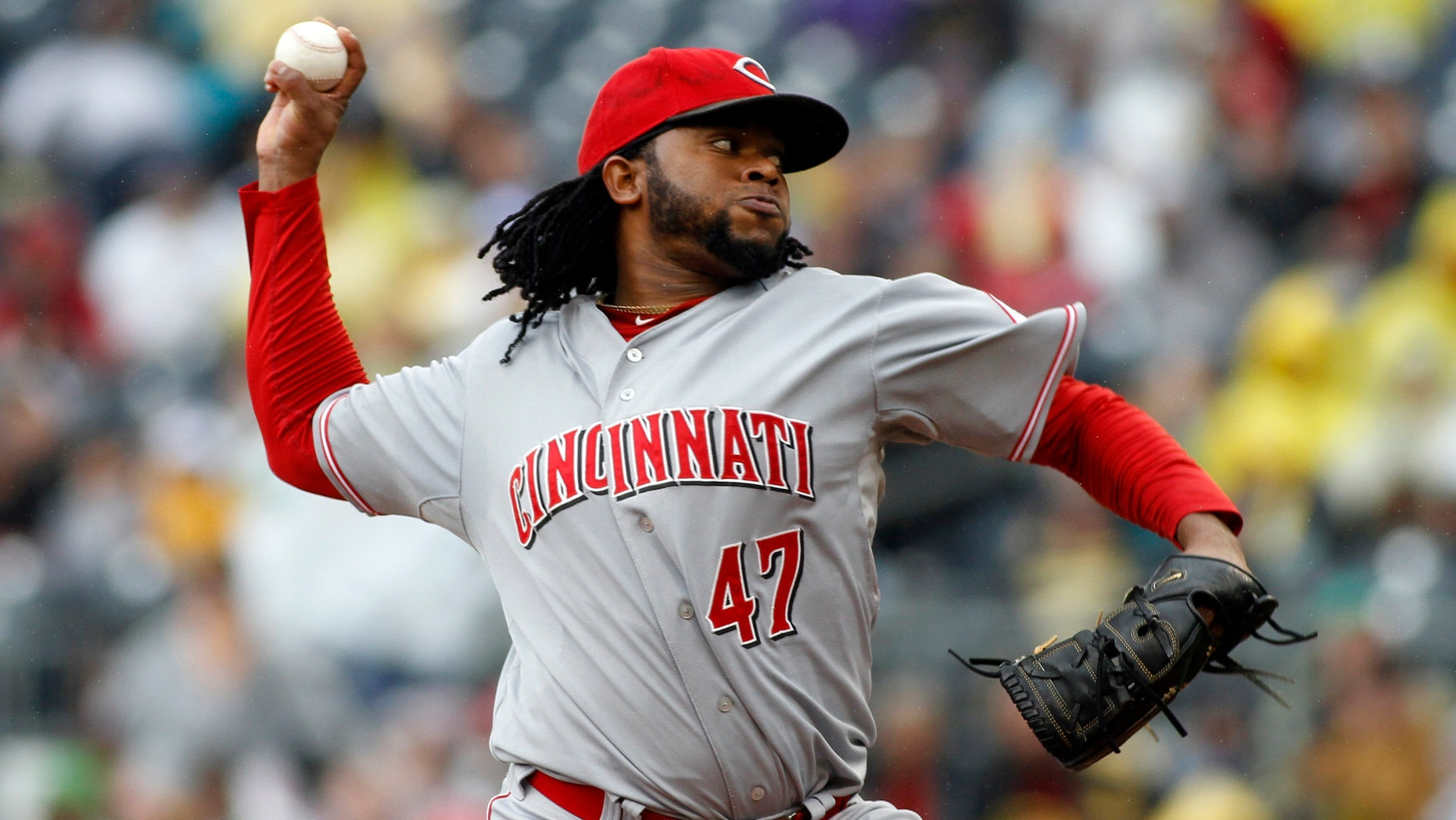 PITTSBURGH, PA - SEPTEMBER 30:  Johnny Cueto #47 of the Cincinnati Reds pitches against the Pittsburgh Pirates during the game on September 30, 2012 at PNC Park in Pittsburgh, Pennsylvania.  (Photo by Justin K. Aller/Getty Images)