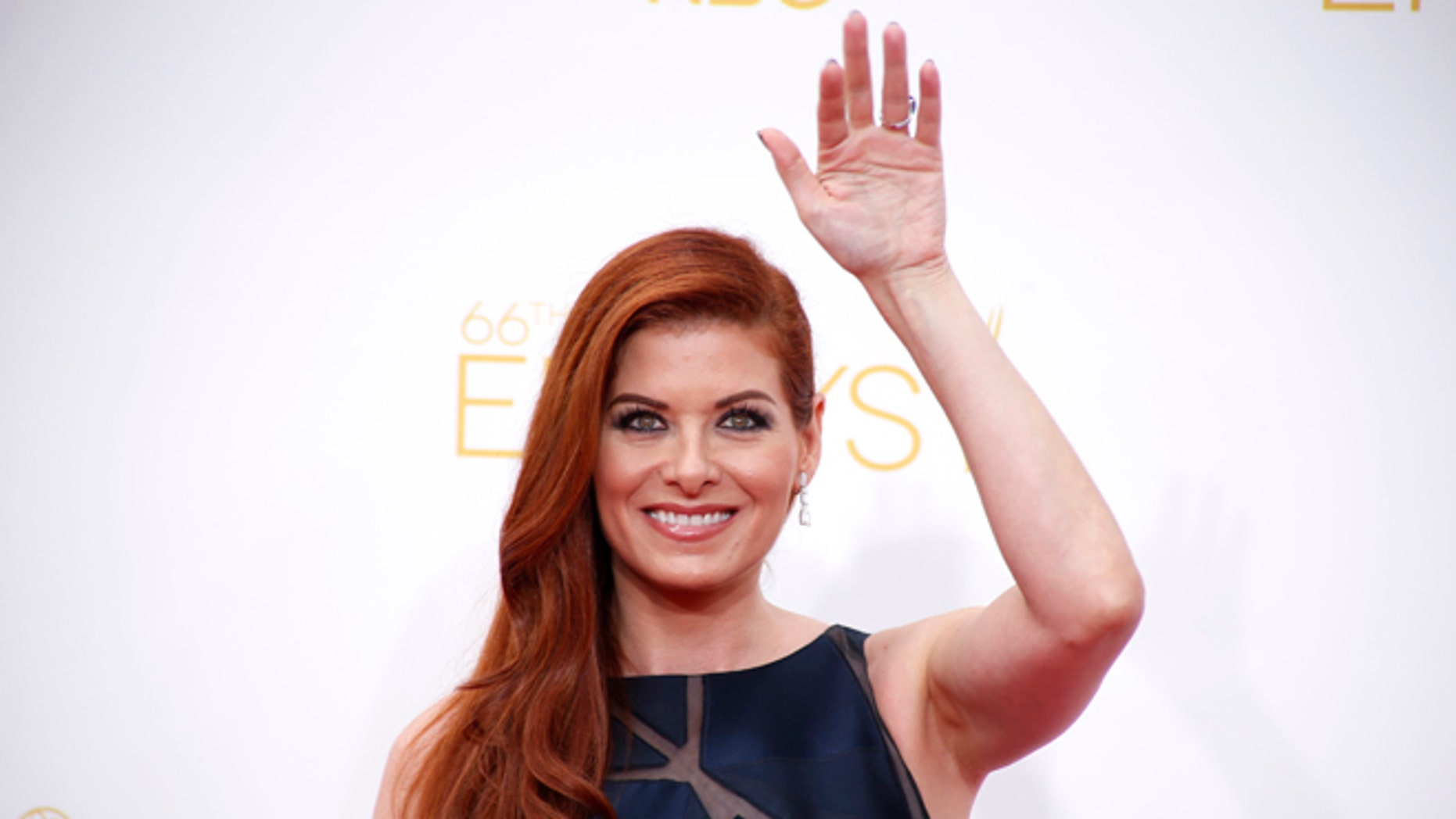 """Debra Messing claims she was sexually harassed on the movie """"A Walk in the Clouds."""""""