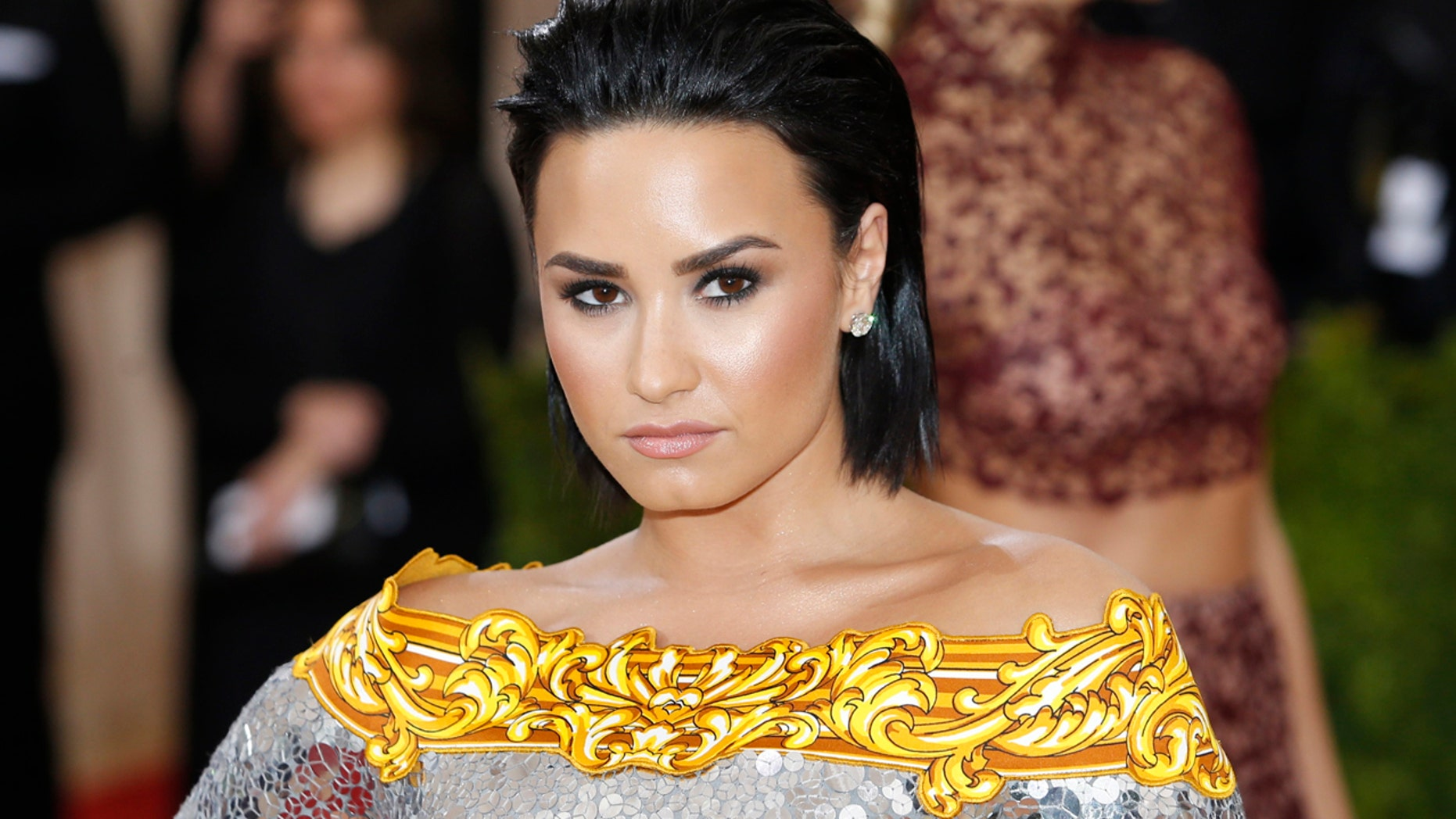 """Singer Demi Lovato arrives at the Metropolitan Museum of Art Costume Institute Gala (Met Gala) to celebrate the opening of """"Manus x Machina: Fashion in an Age of Technology"""" in the Manhattan borough of New York, May 2, 2016."""