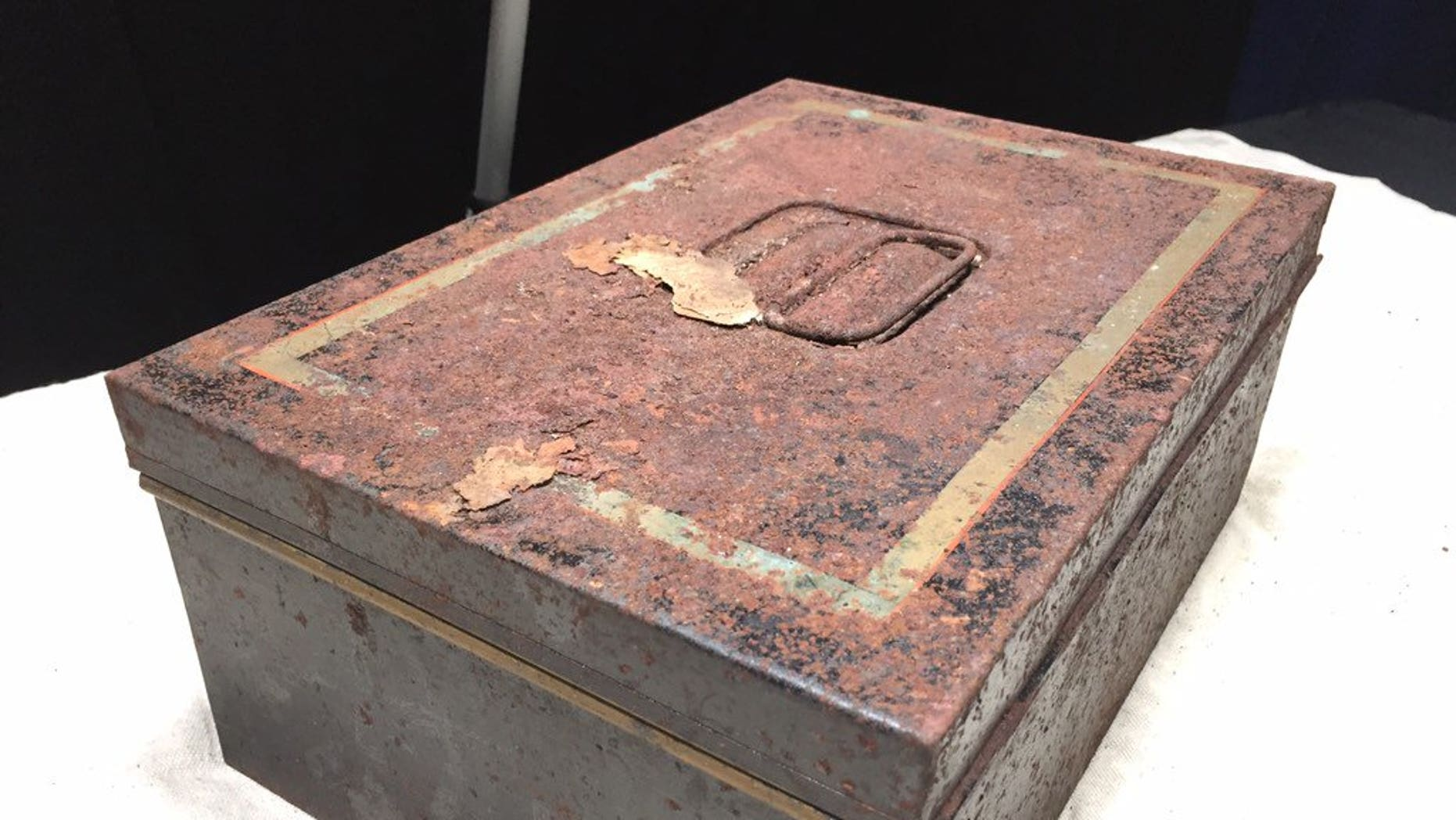 Florida historians opened a time capsule placed in a monument in 1911.