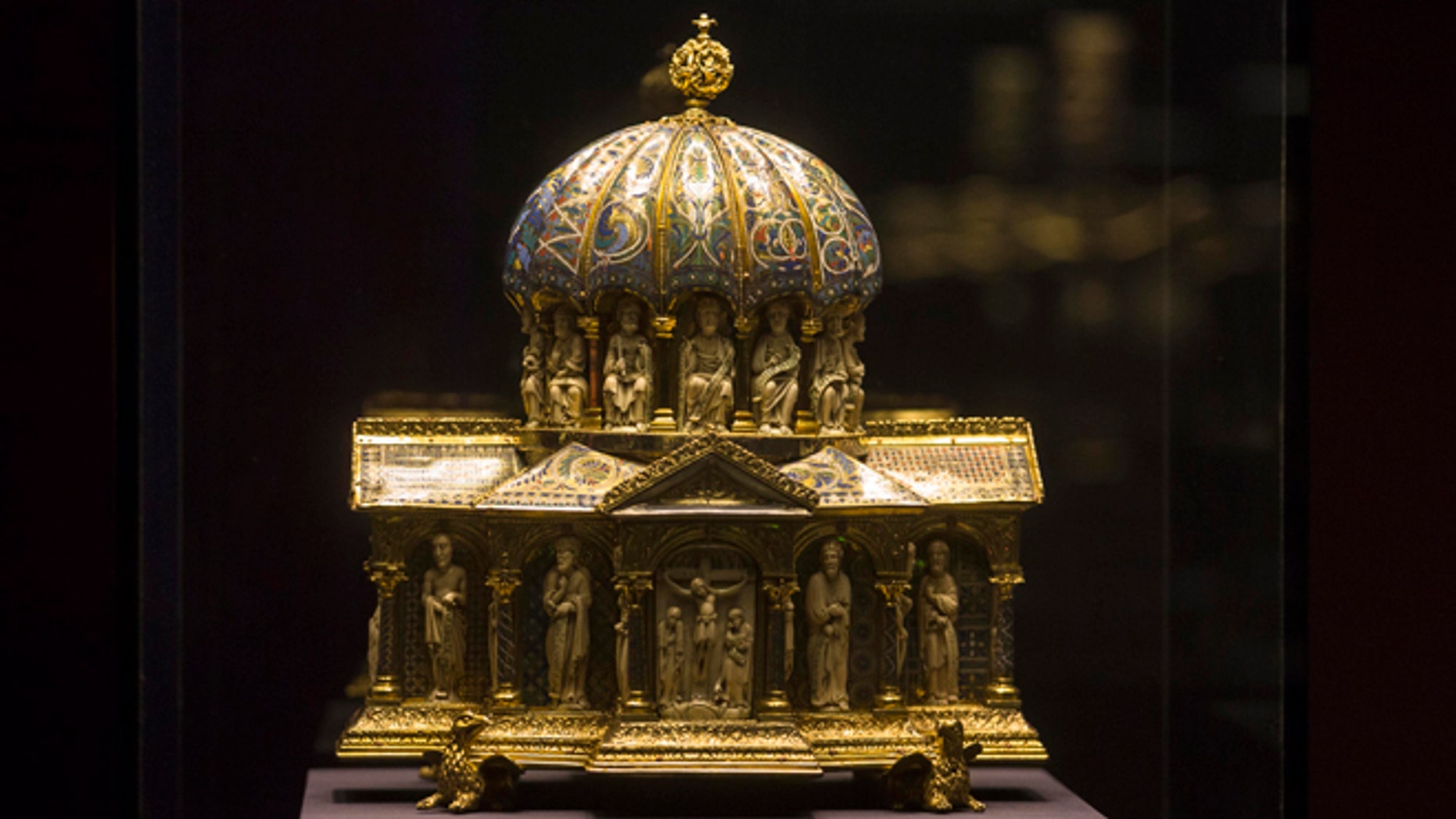 Jan. 9, 2014: In this file picture the medieval Dome Reliquary (13th century) of the Welfenschatz, is displayed at the Bode Museum in Berlin.