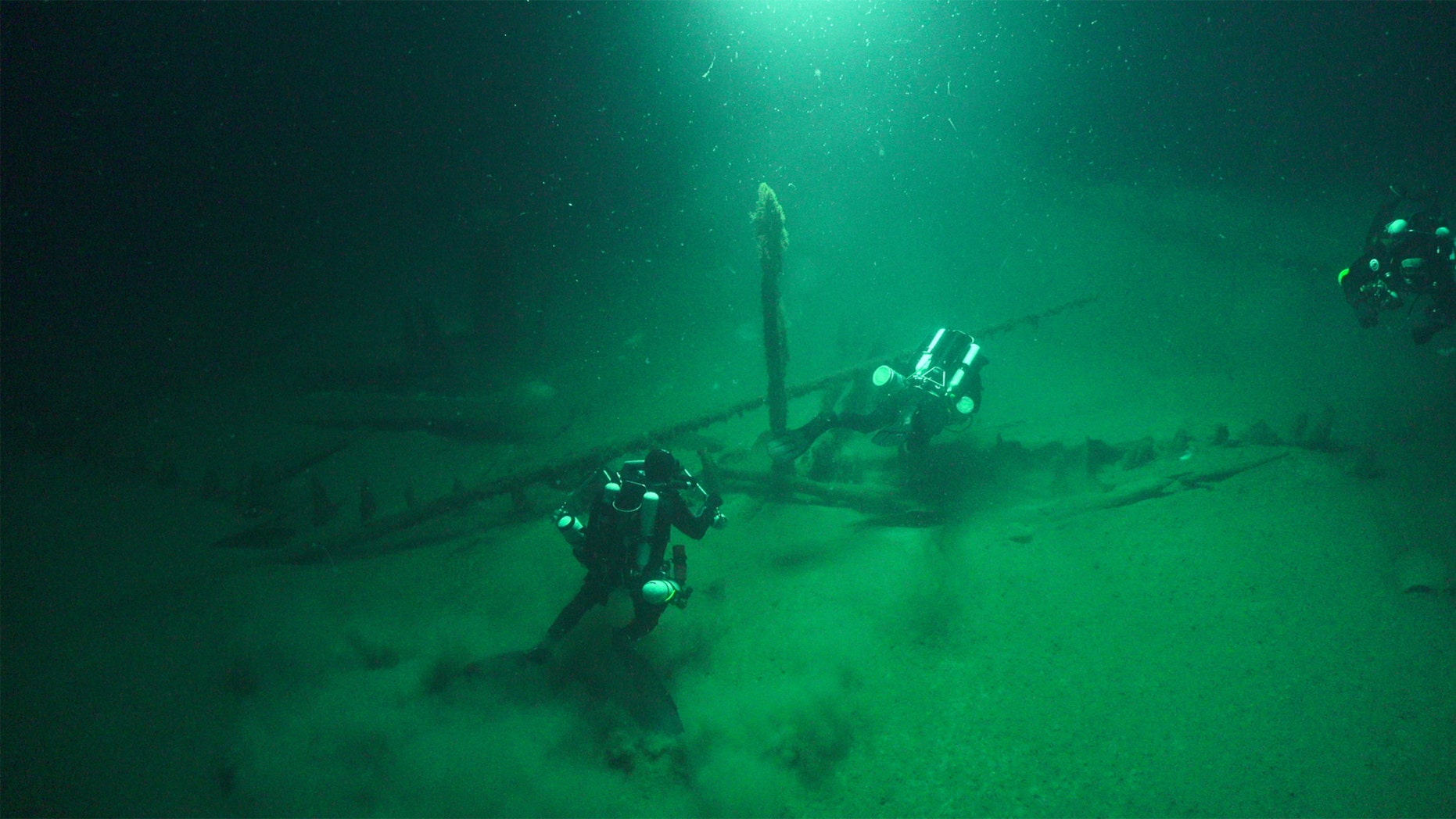 Divers appear on a Roman Galley. (Credit: Black Sea MAP)