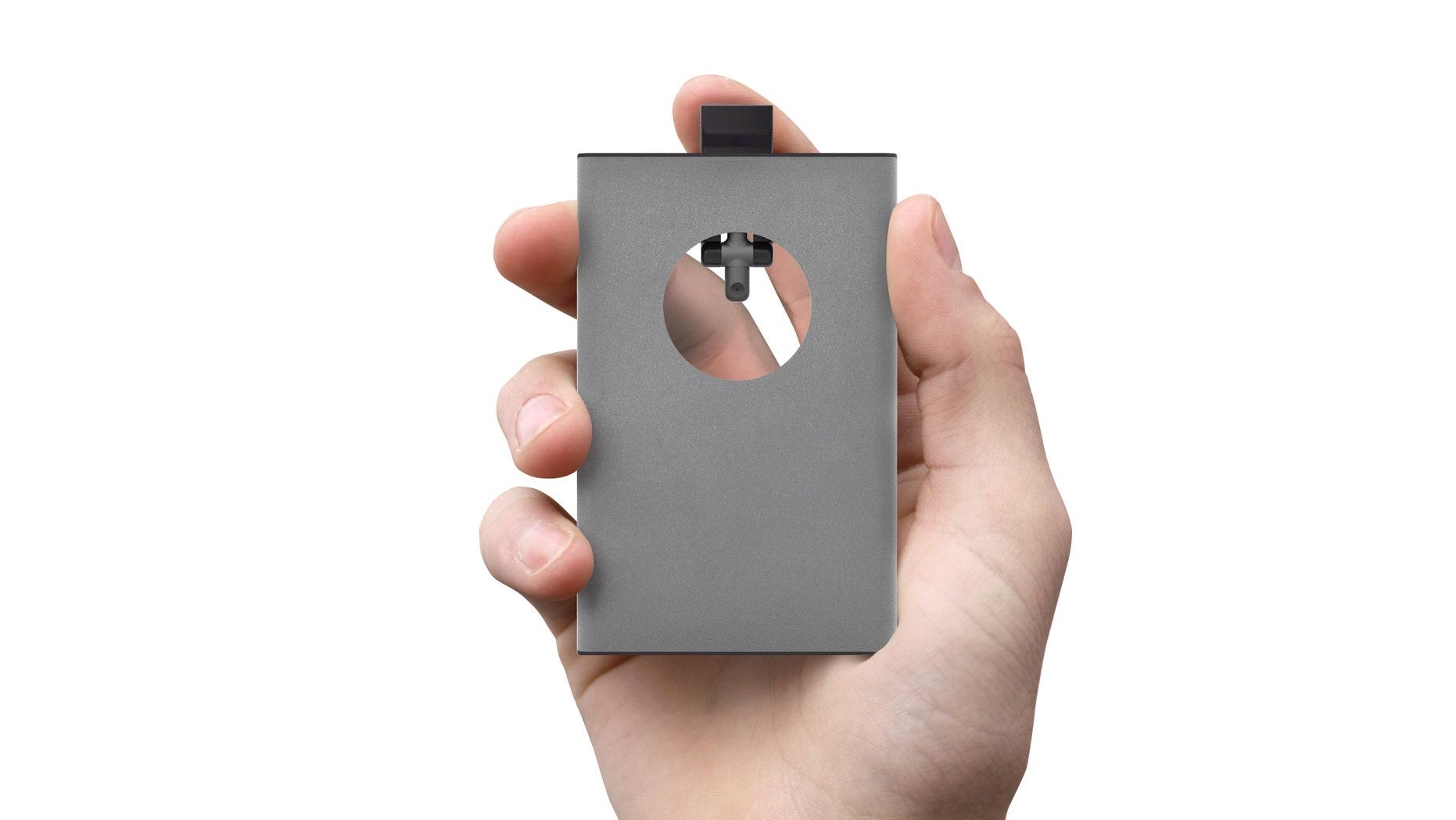 A card-size inhaler would deliver asthma medication just like its bulkier predecessors.