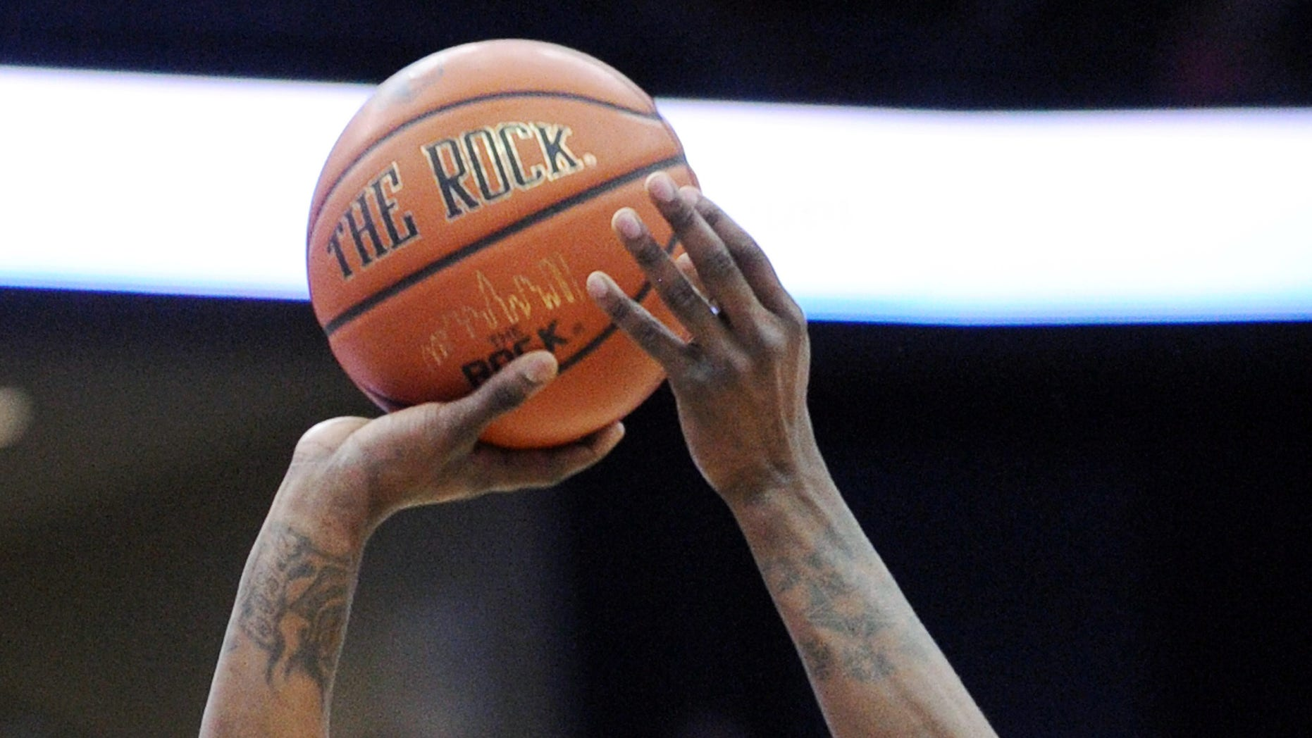 Cincinnati's Cashmere Wright shoots during the first half of an NCAA college basketball game against Seton Hall Saturday, Feb. 2, 2013, in Newark, N.J.  Cincinnati defeated Seton Hall 65-59. (AP Photo/Bill Kostroun)
