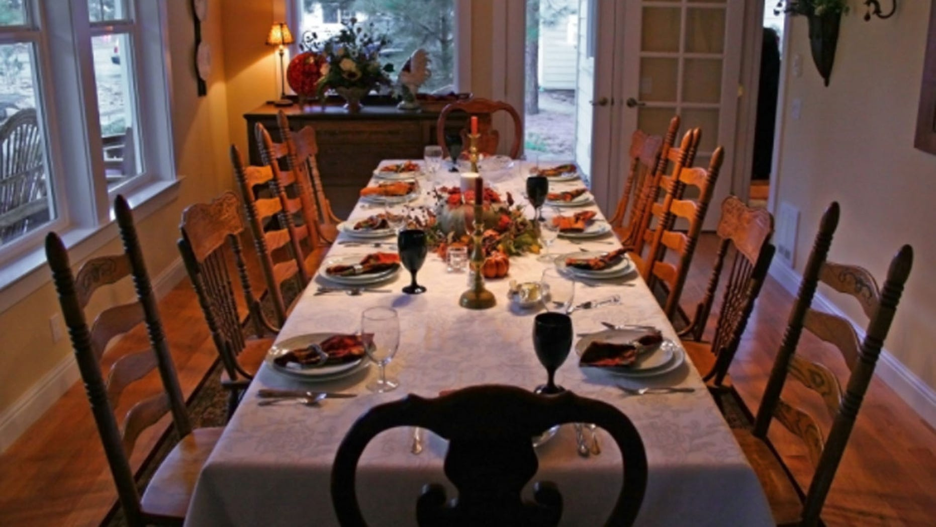 FILE: The average cost of Thanksgiving dinner for 10 is $49.12.