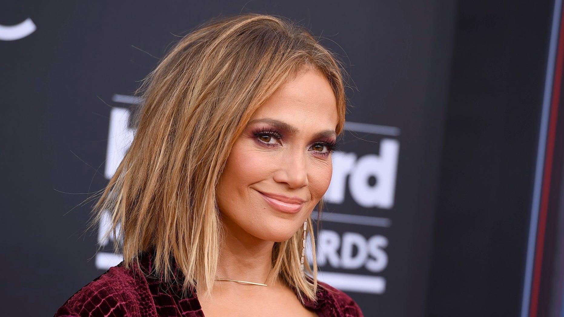 Jennifer Lopez jlo) Instagram photos and