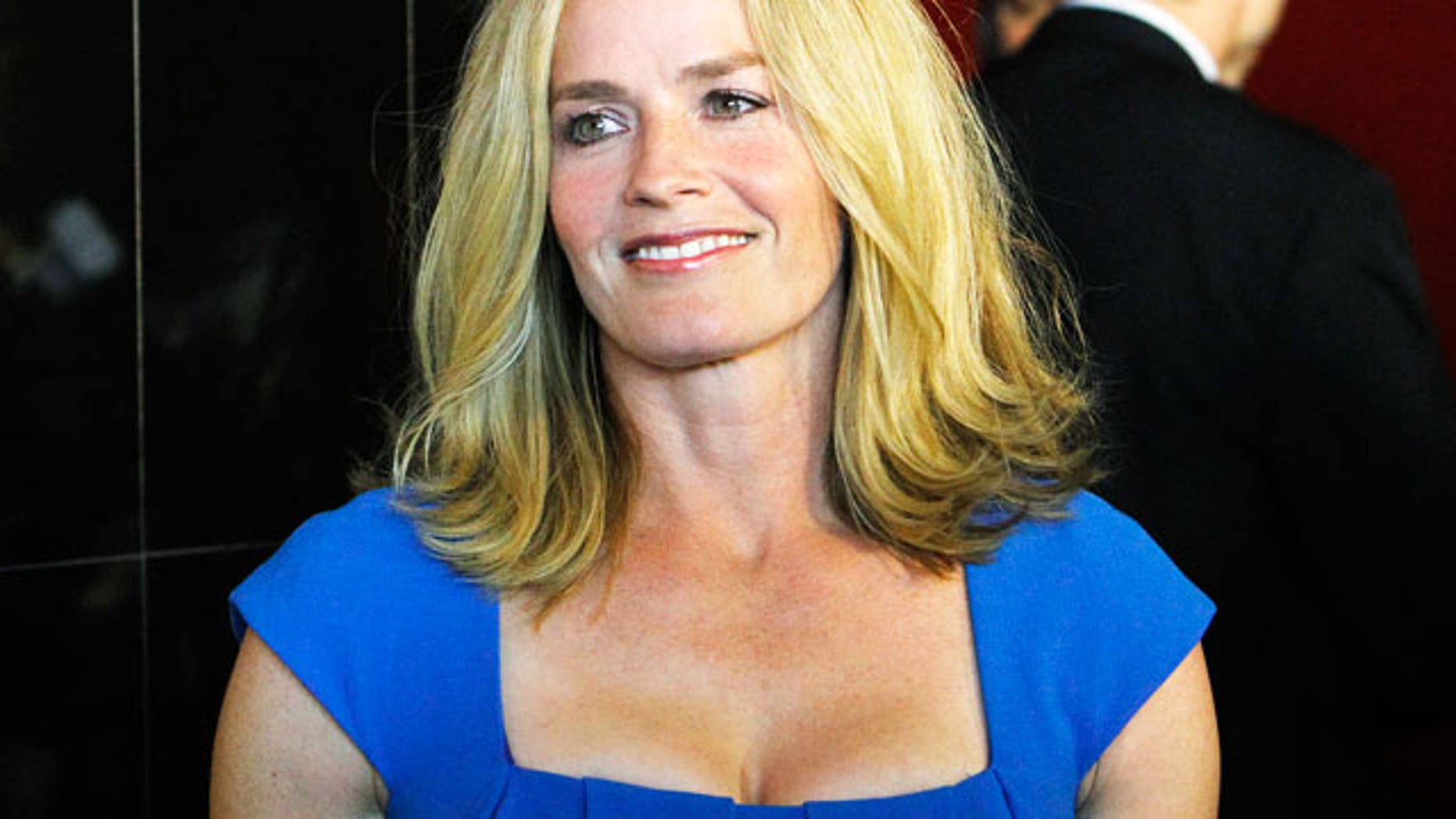 Elisabeth Shue Sexy Pictures