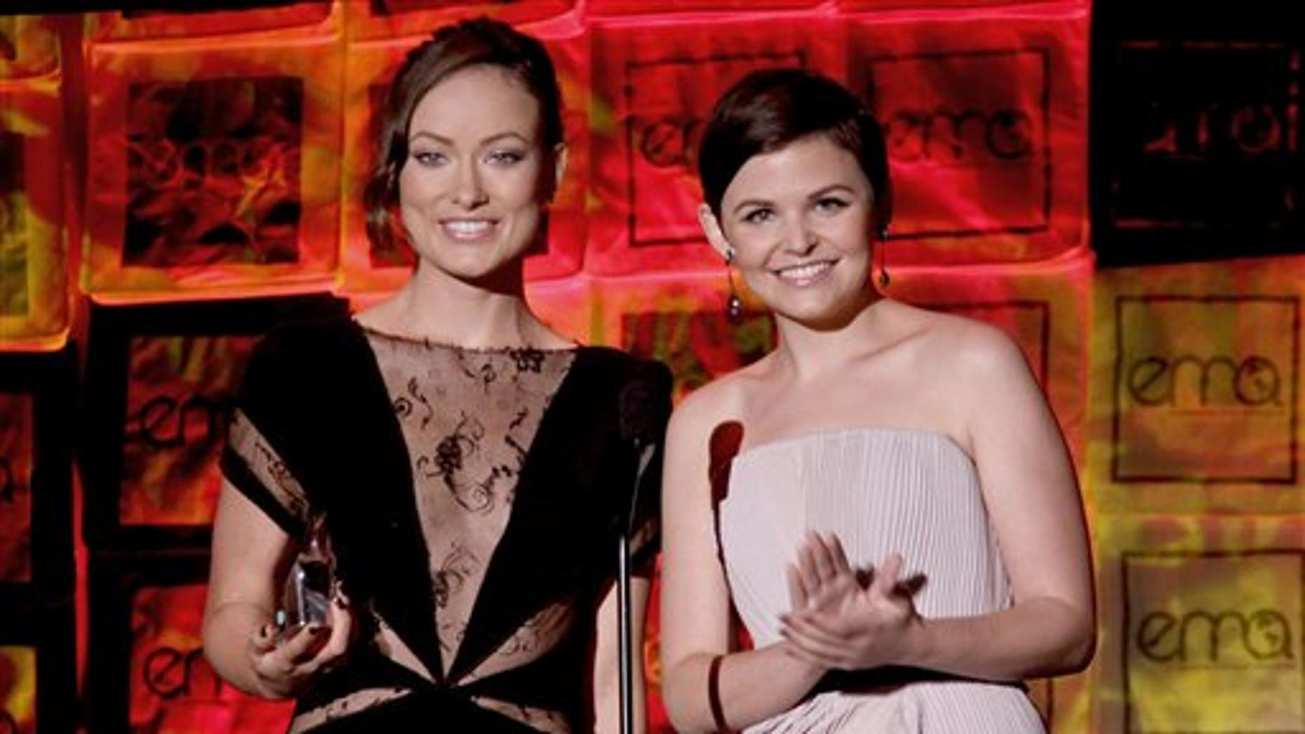 Actors Olivia Wilde, left, and Ginnifer Goodwin, attend the 20th Anniversary Environmental Media Awards Oct. 25, 2009, in Los Angeles.  (AP)