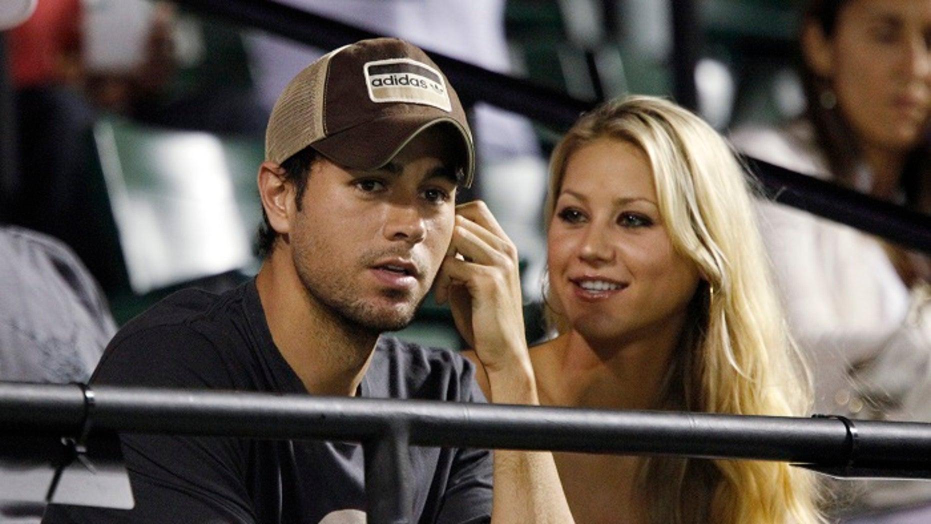 A source said Enrique Iglesias and Anna Kournikova kept their pregnancy very secret.