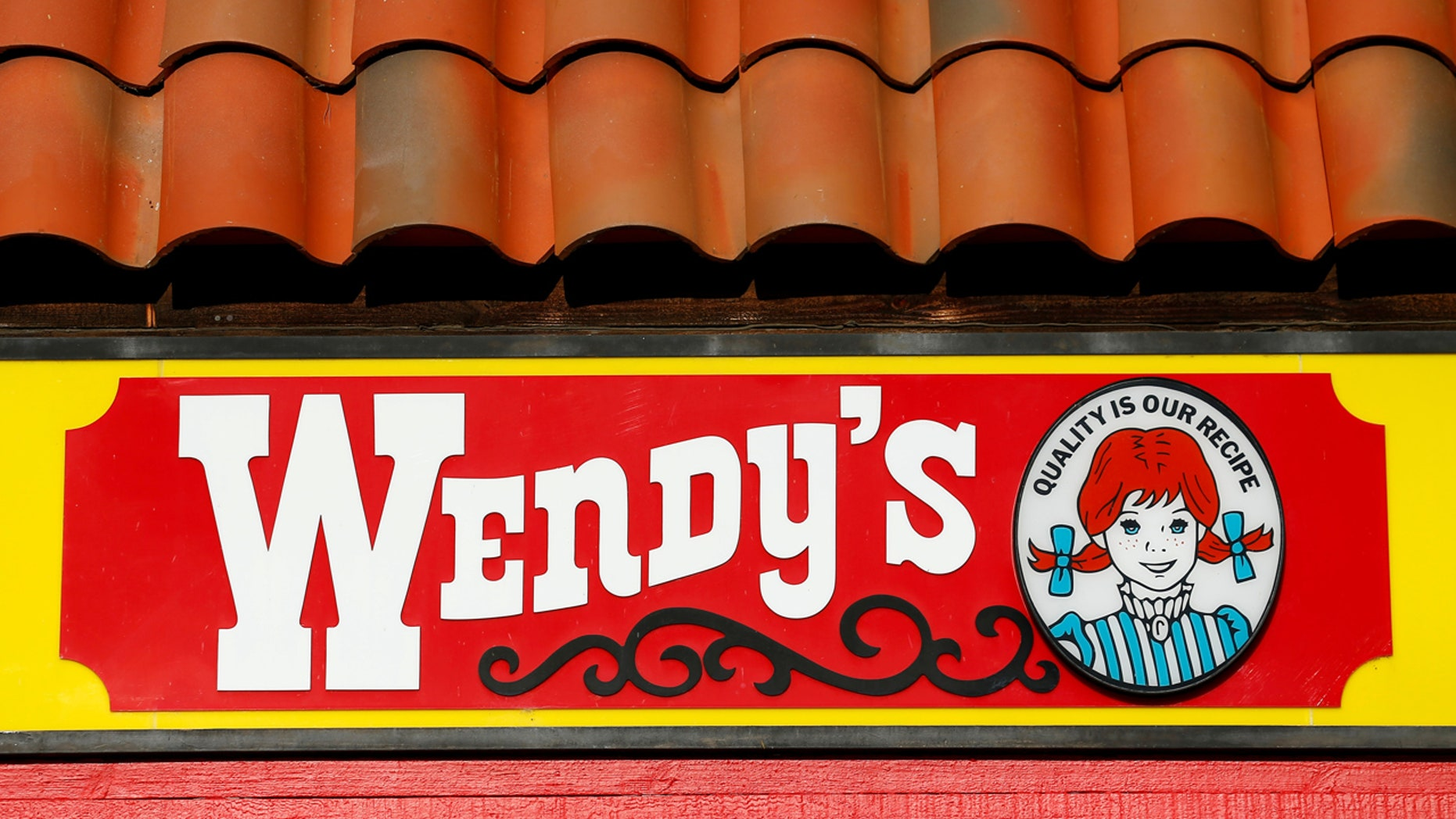 """A Wendy's customer who was called """"chubby"""" by an employee was visited by an NFL legend's family as a sign of their support."""