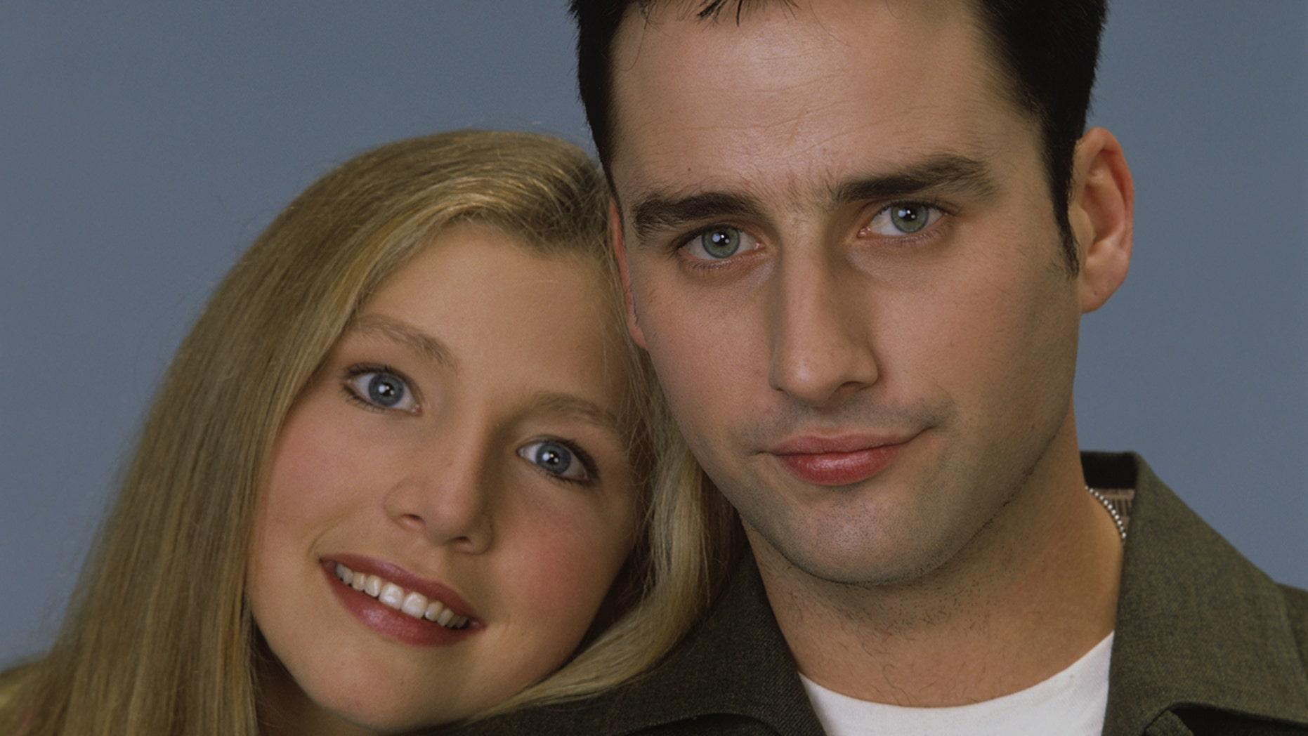 "Original ""Roseanne"" cast members Sarah Chalke (left) and Glenn Quinn in a 1993 photo."