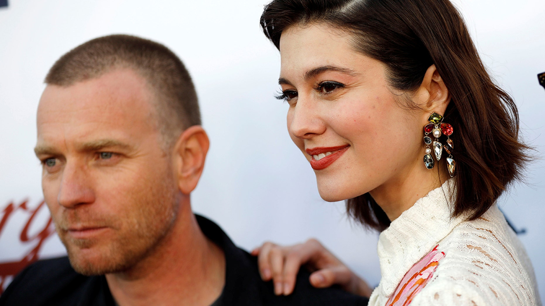 "Ewan McGregor was spotted kissing his ""Fargo"" costar Mary Elizabeth Winstead."