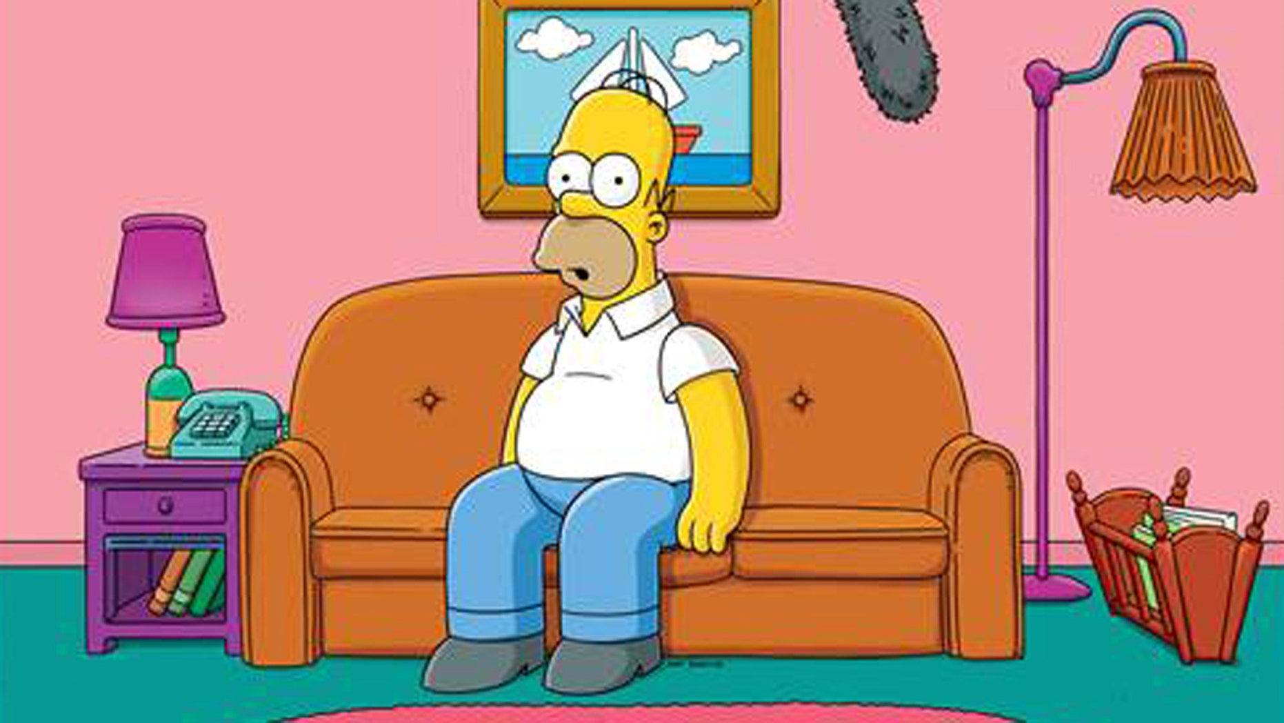 """Homer Simpson answers fan questions live in the first ever """"Simprovised"""" episode."""