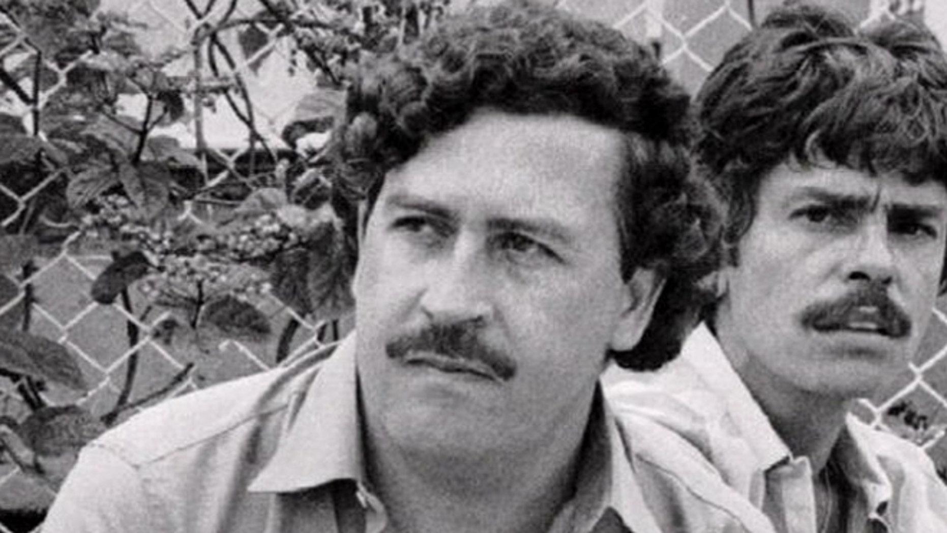 pablo escobar s son fact checks narcos season 2 says he found 28